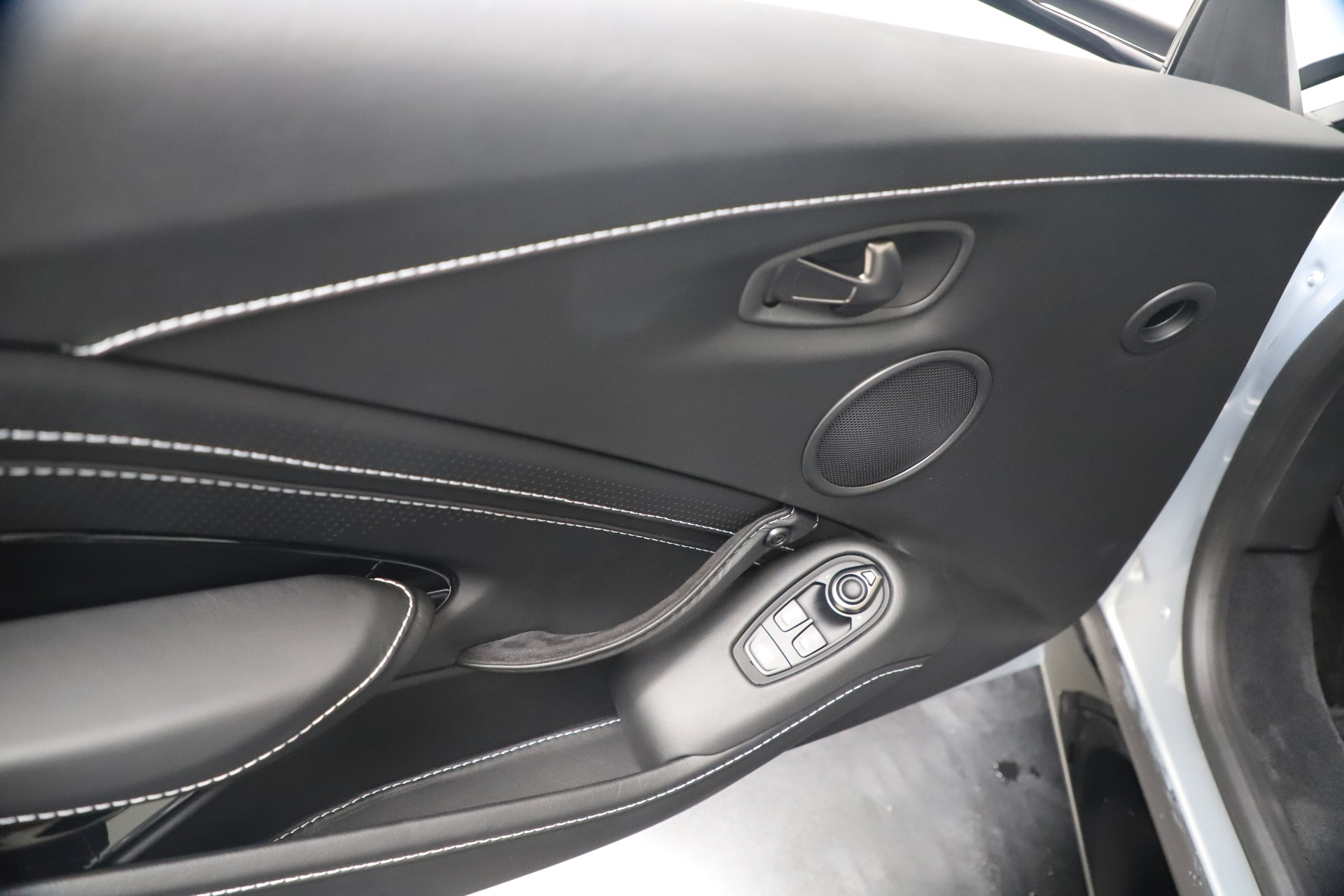 New 2020 Aston Martin Vantage V8 For Sale In Westport, CT 3481_p32