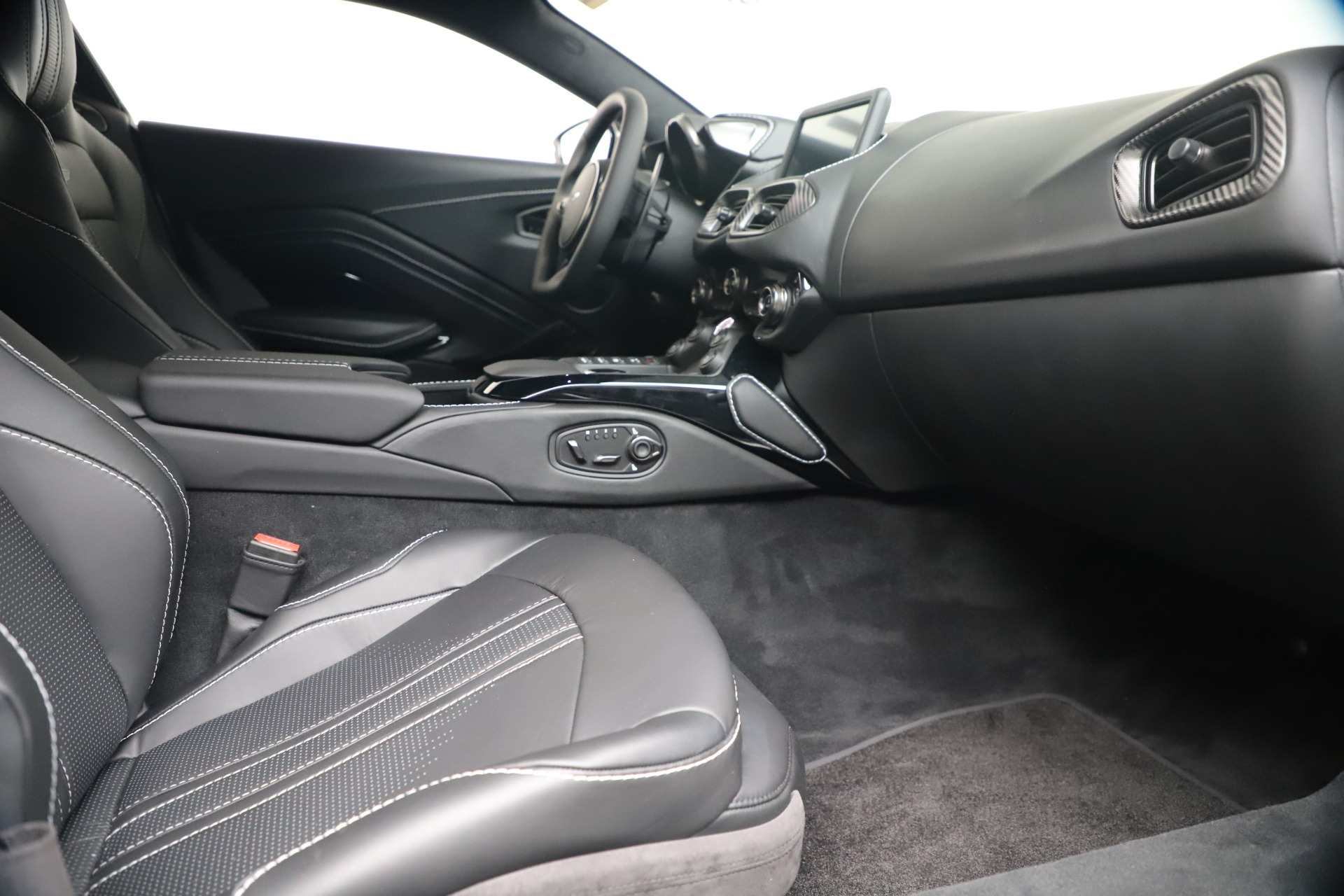 New 2020 Aston Martin Vantage V8 For Sale In Westport, CT 3481_p35