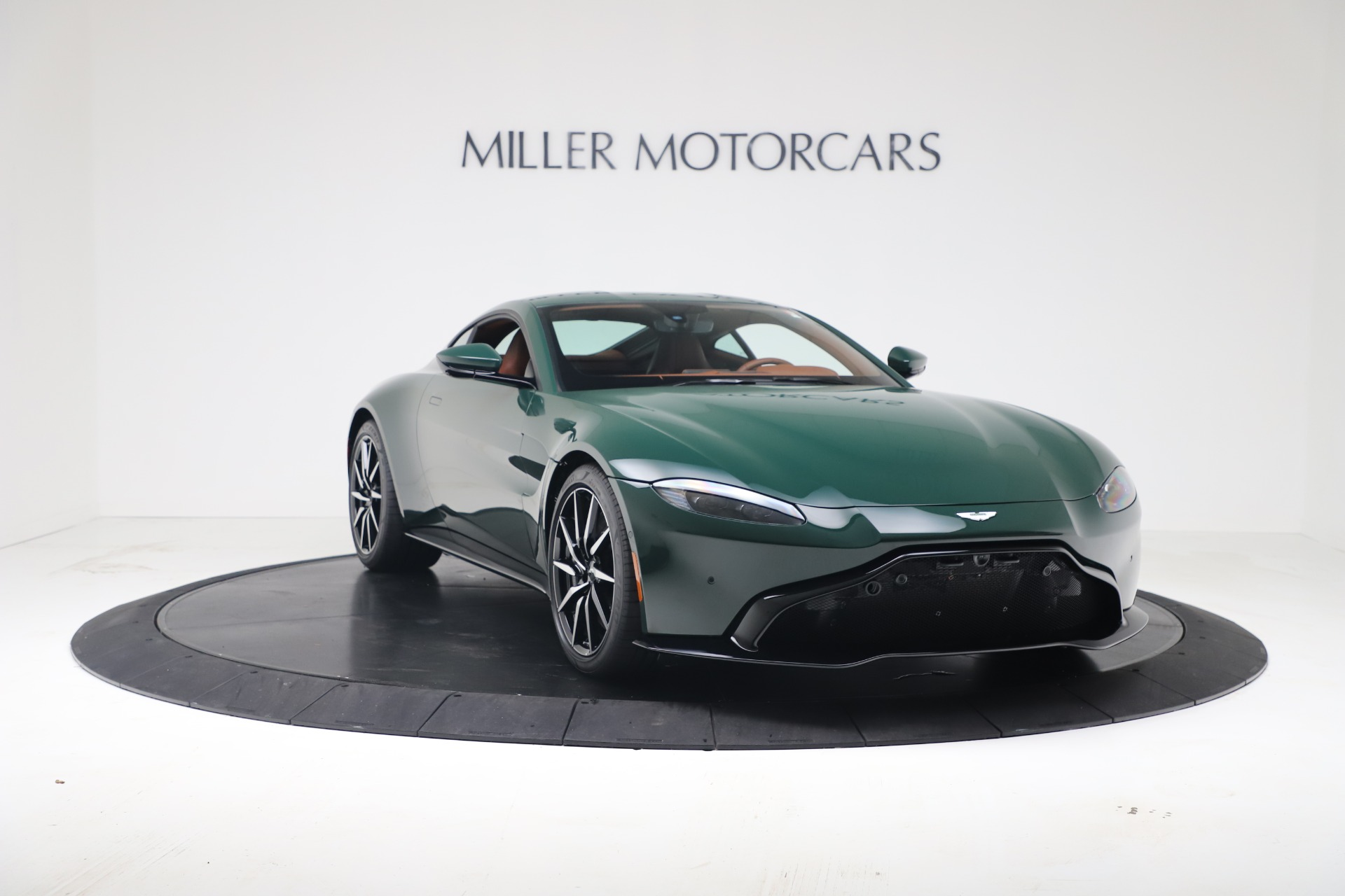 New 2020 Aston Martin Vantage V8 For Sale In Westport, CT 3483_p4