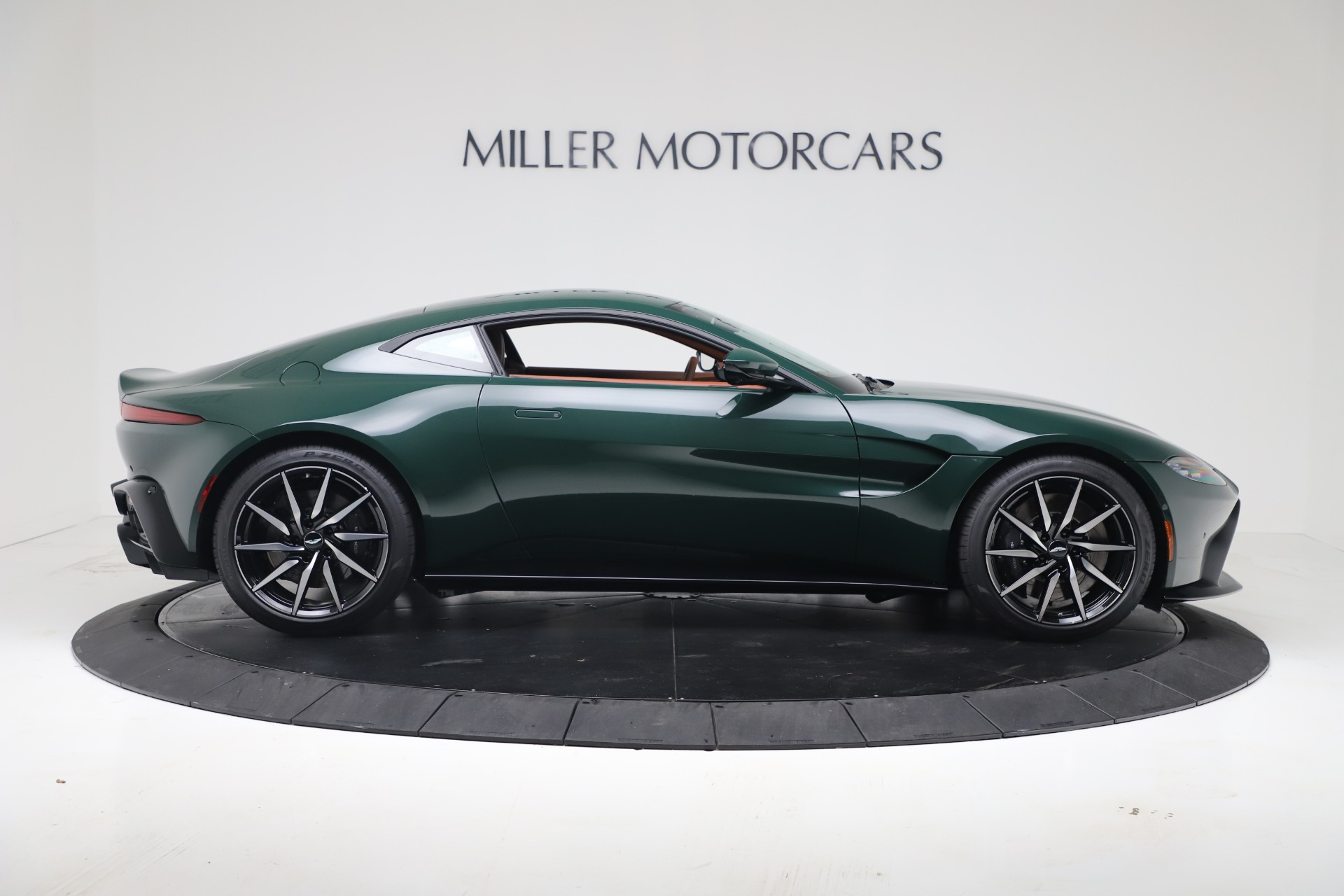 New 2020 Aston Martin Vantage V8 For Sale In Westport, CT 3483_p6