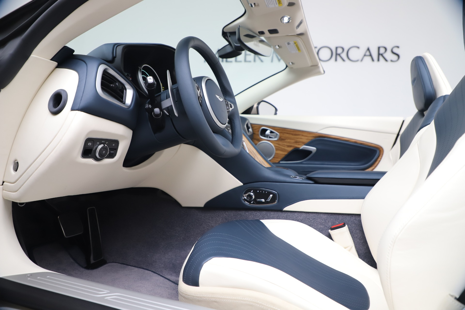 New 2020 Aston Martin DB11 V8 For Sale In Westport, CT 3485_p39