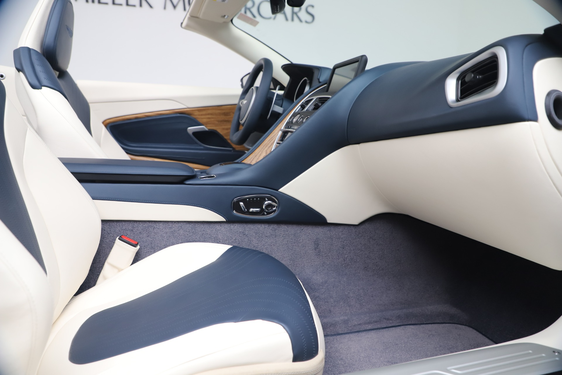New 2020 Aston Martin DB11 V8 For Sale In Westport, CT 3485_p57