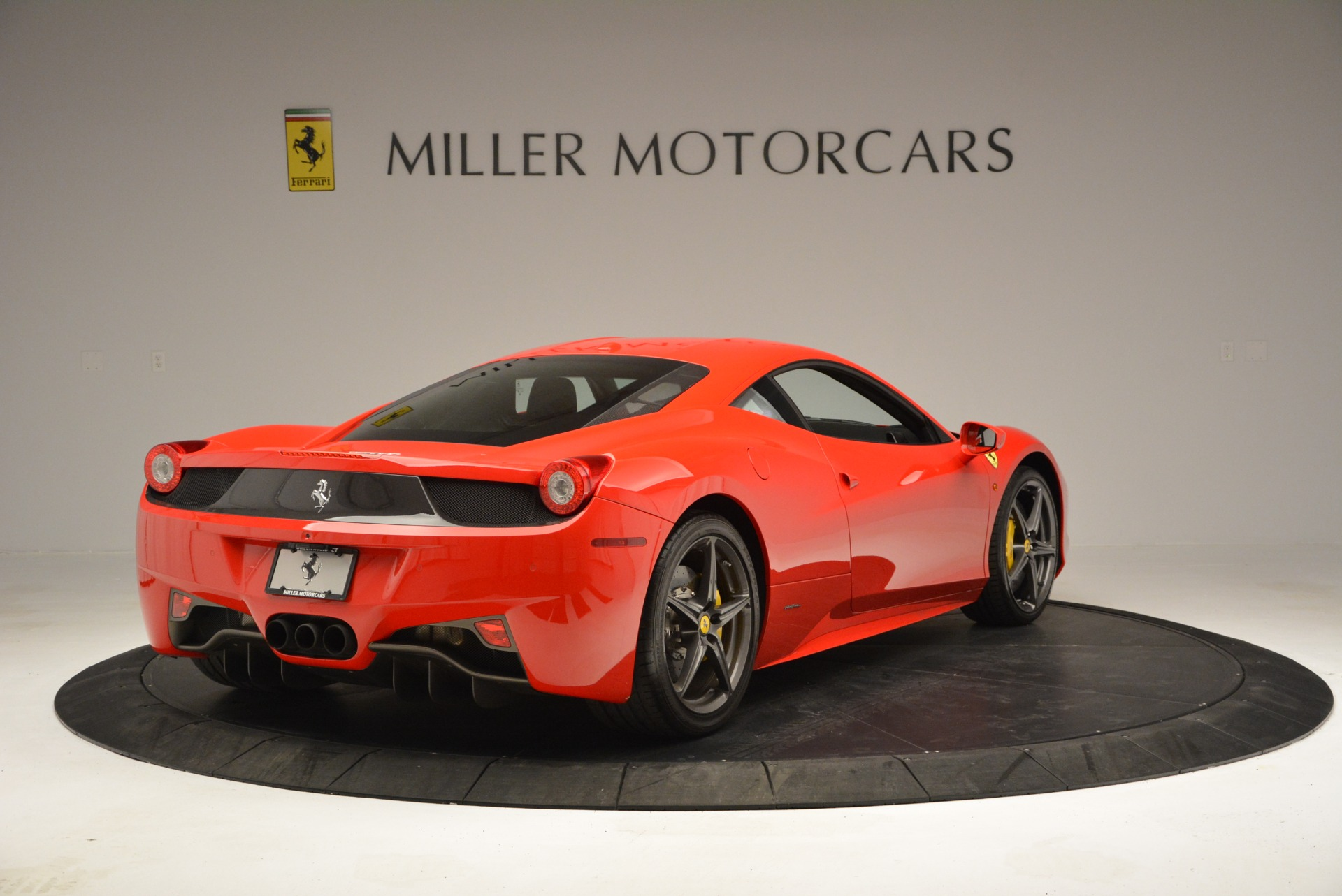 Used 2013 Ferrari 458 Italia  For Sale In Westport, CT 3490_p7