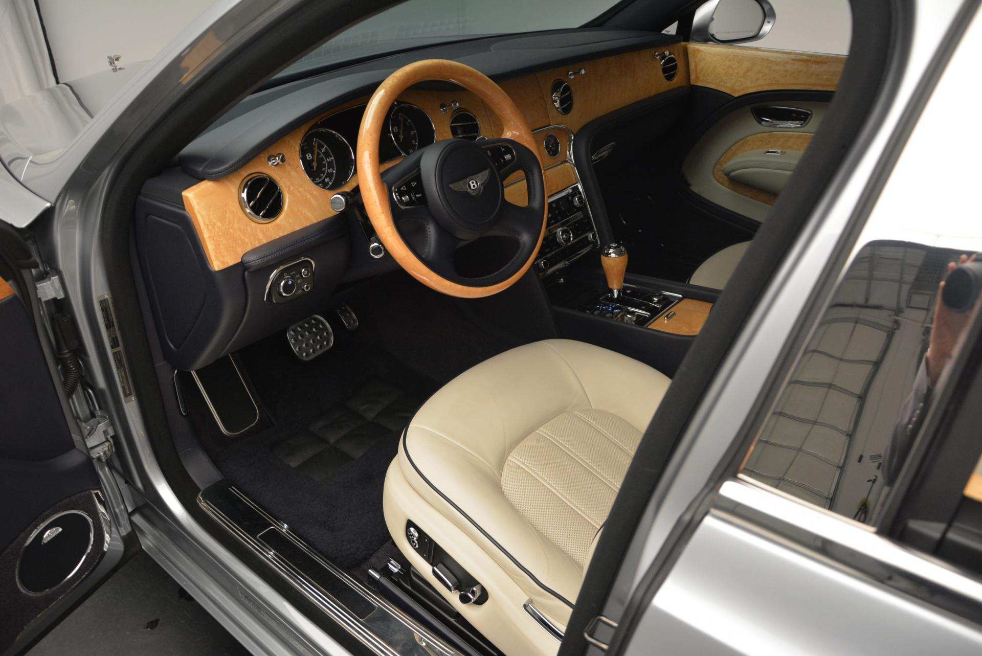 Used 2012 Bentley Mulsanne  For Sale In Westport, CT 35_p24