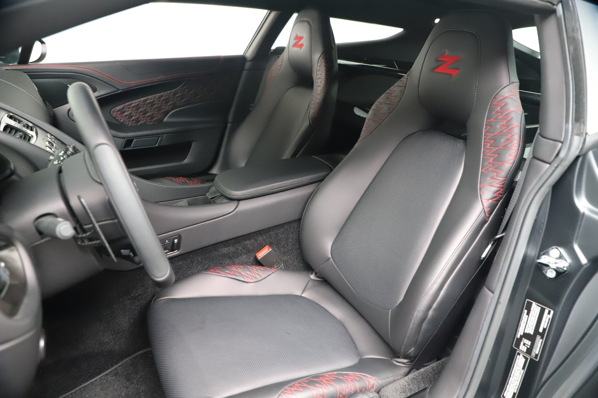 New 2019 Aston Martin Vanquish Shooting Brake For Sale In Westport, CT 3512_p15