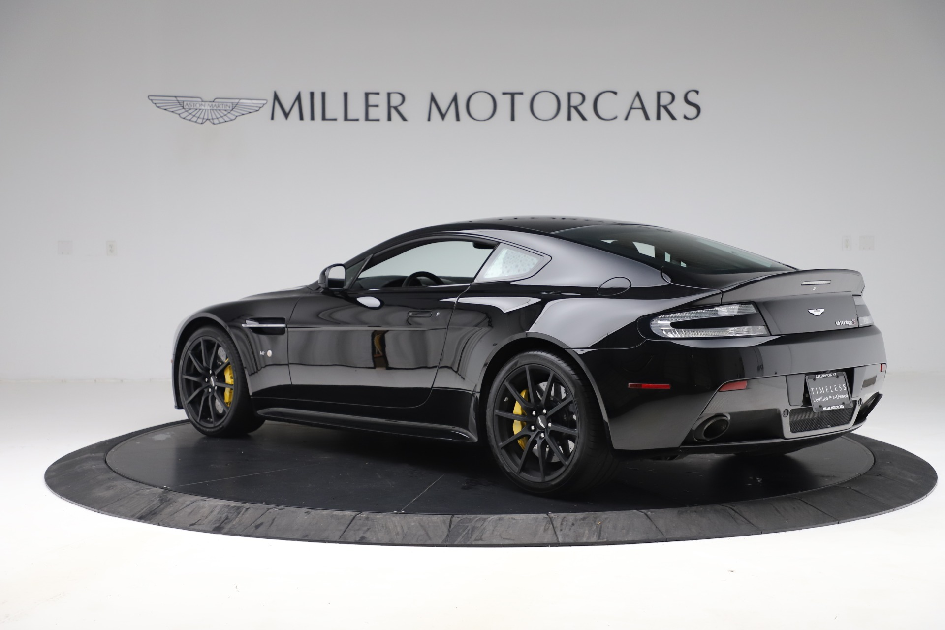 Used 2015 Aston Martin V12 Vantage S Coupe For Sale In Westport, CT 3513_p4