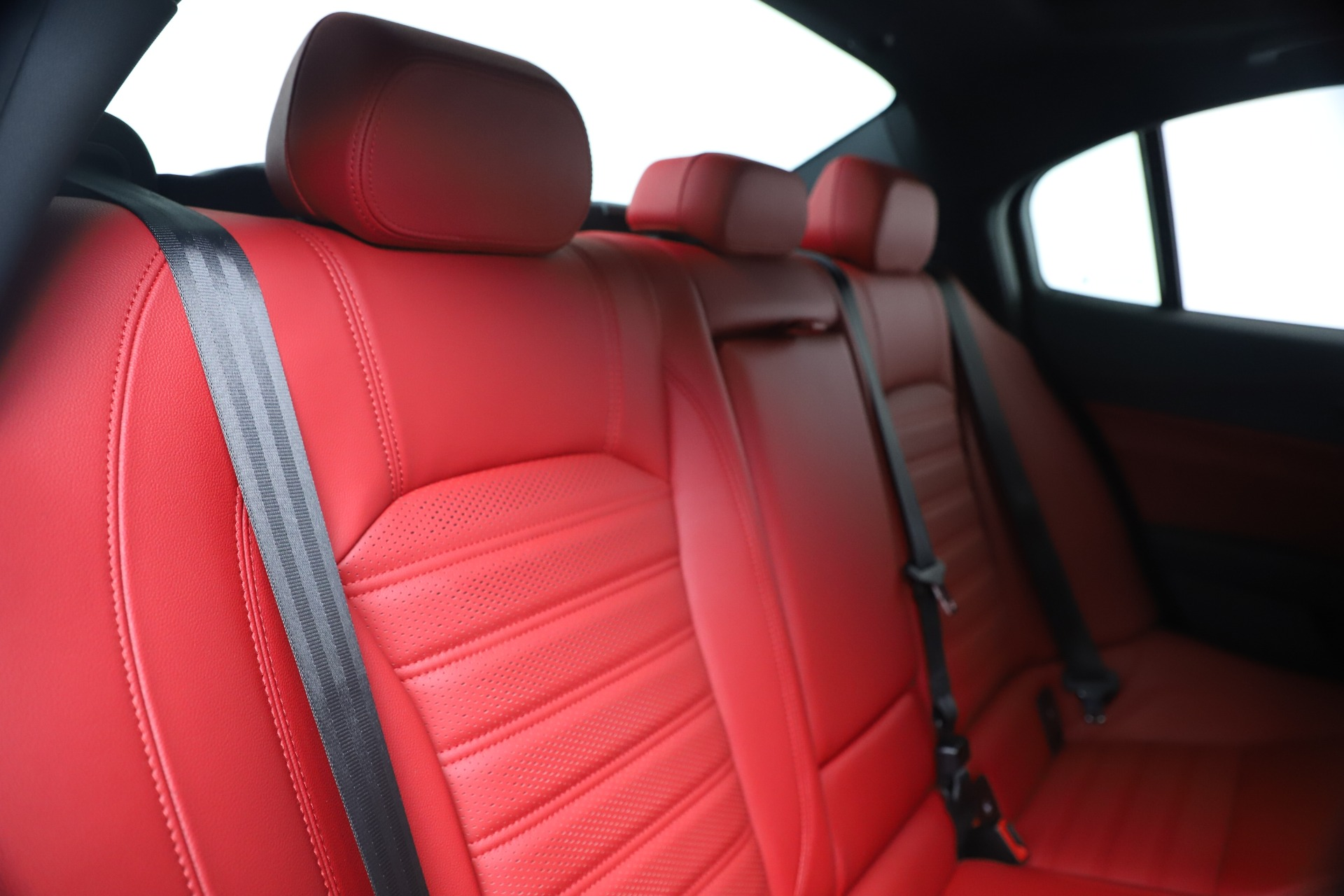 New 2019 Alfa Romeo Giulia Ti Sport Carbon Q4 For Sale In Westport, CT 3518_p26