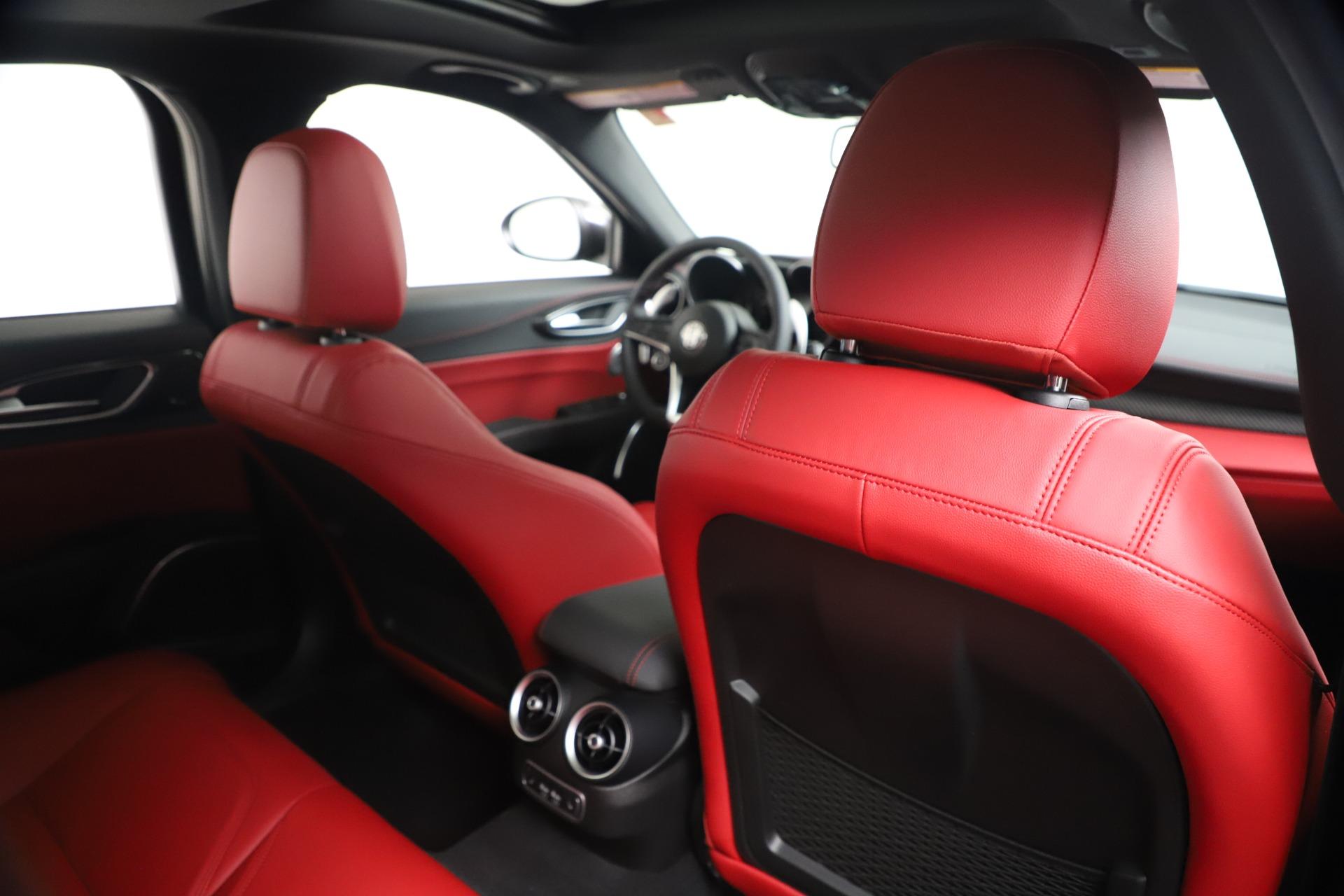 New 2019 Alfa Romeo Giulia Ti Sport Carbon Q4 For Sale In Westport, CT 3518_p28