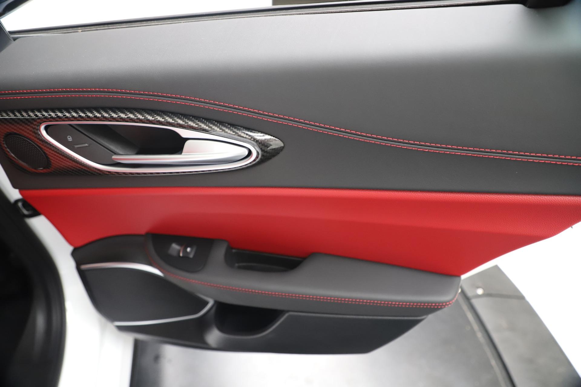 New 2019 Alfa Romeo Giulia Ti Sport Carbon Q4 For Sale In Westport, CT 3518_p29