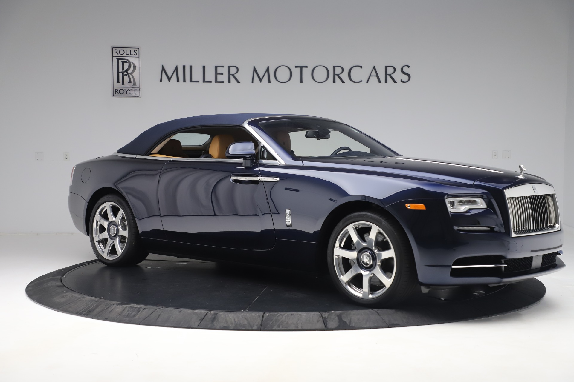Used 2017 Rolls-Royce Dawn  For Sale In Westport, CT 3519_p17