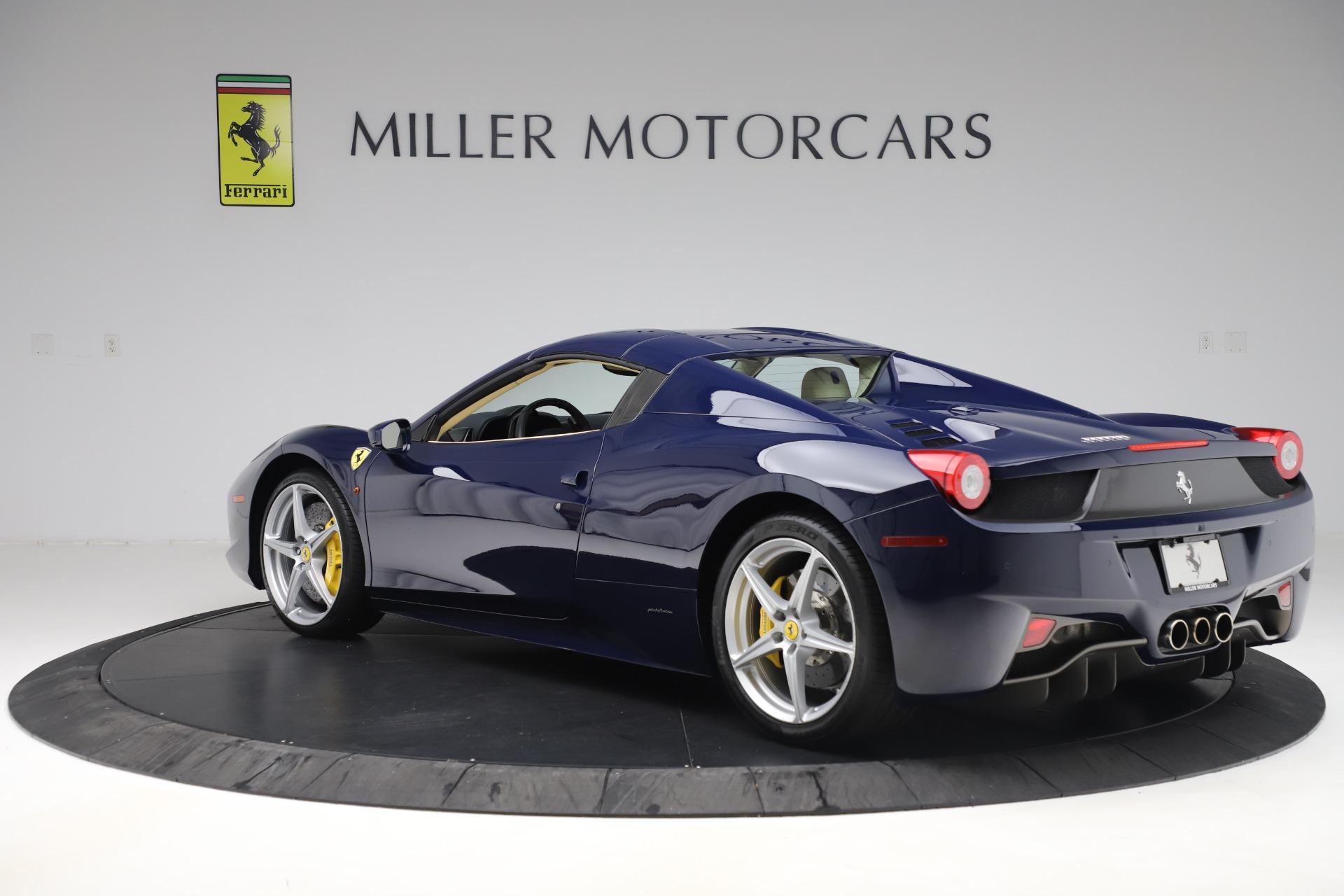 Used 2013 Ferrari 458 Spider  For Sale In Westport, CT 3525_p15