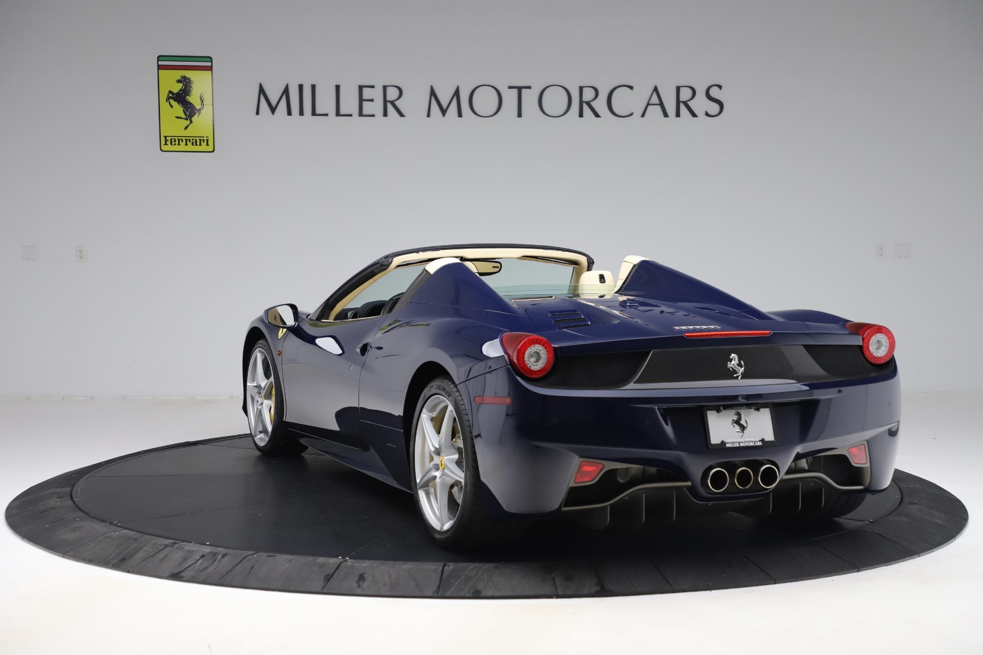 Used 2013 Ferrari 458 Spider  For Sale In Westport, CT 3525_p5