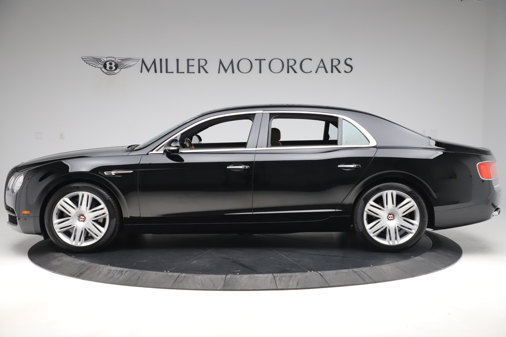 Used 2016 Bentley Flying Spur V8 For Sale In Westport, CT 3526_p3