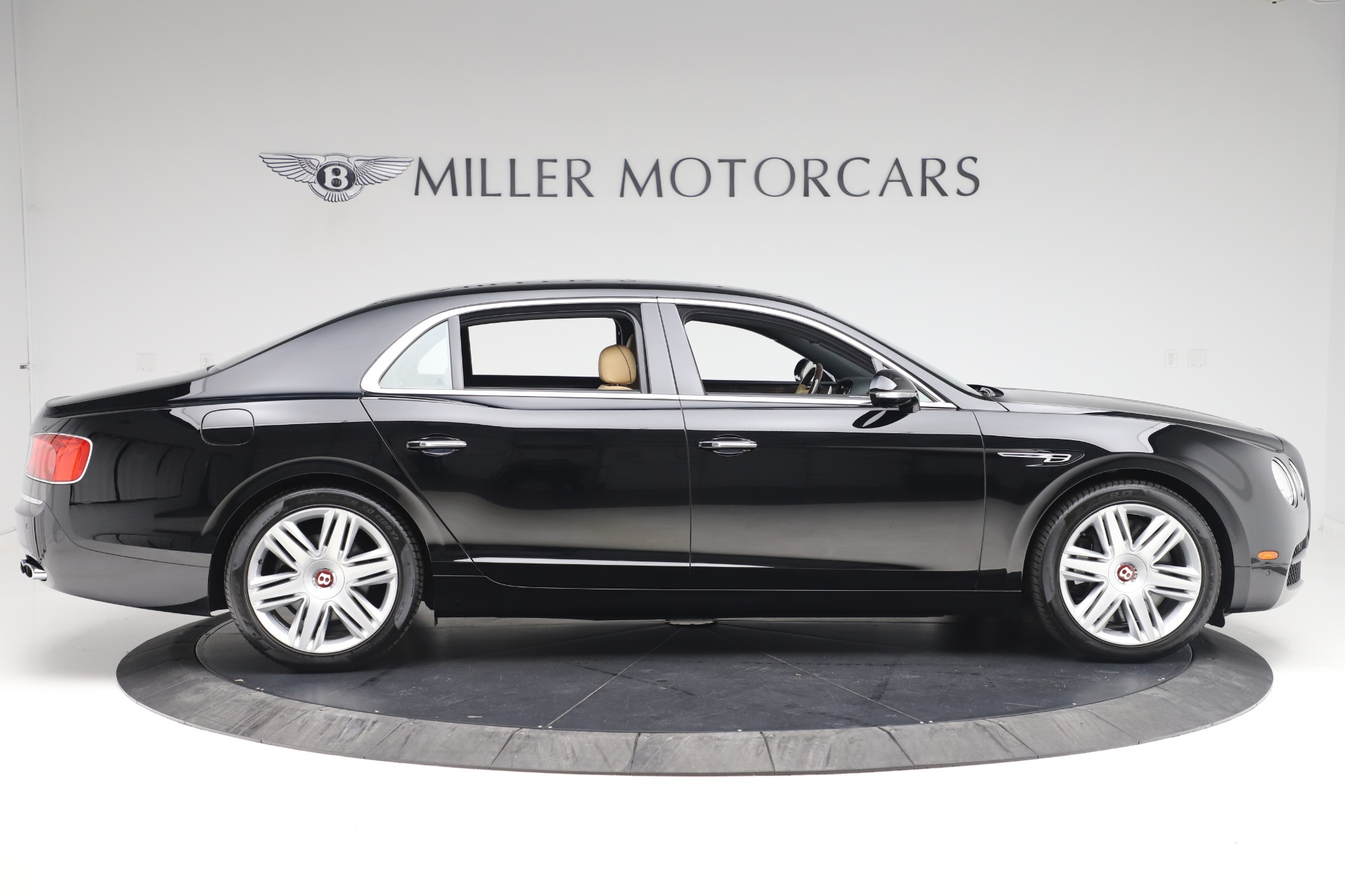 Used 2016 Bentley Flying Spur V8 For Sale In Westport, CT 3526_p9