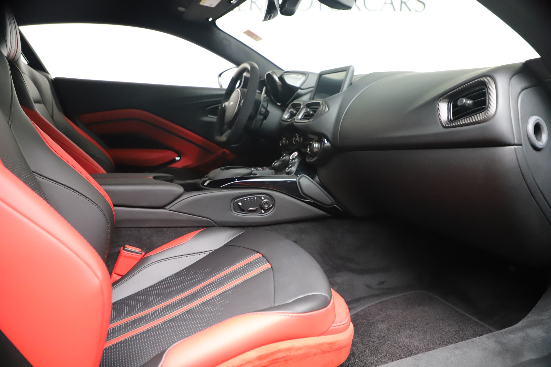 New 2020 Aston Martin Vantage Coupe For Sale In Westport, CT 3547_p18