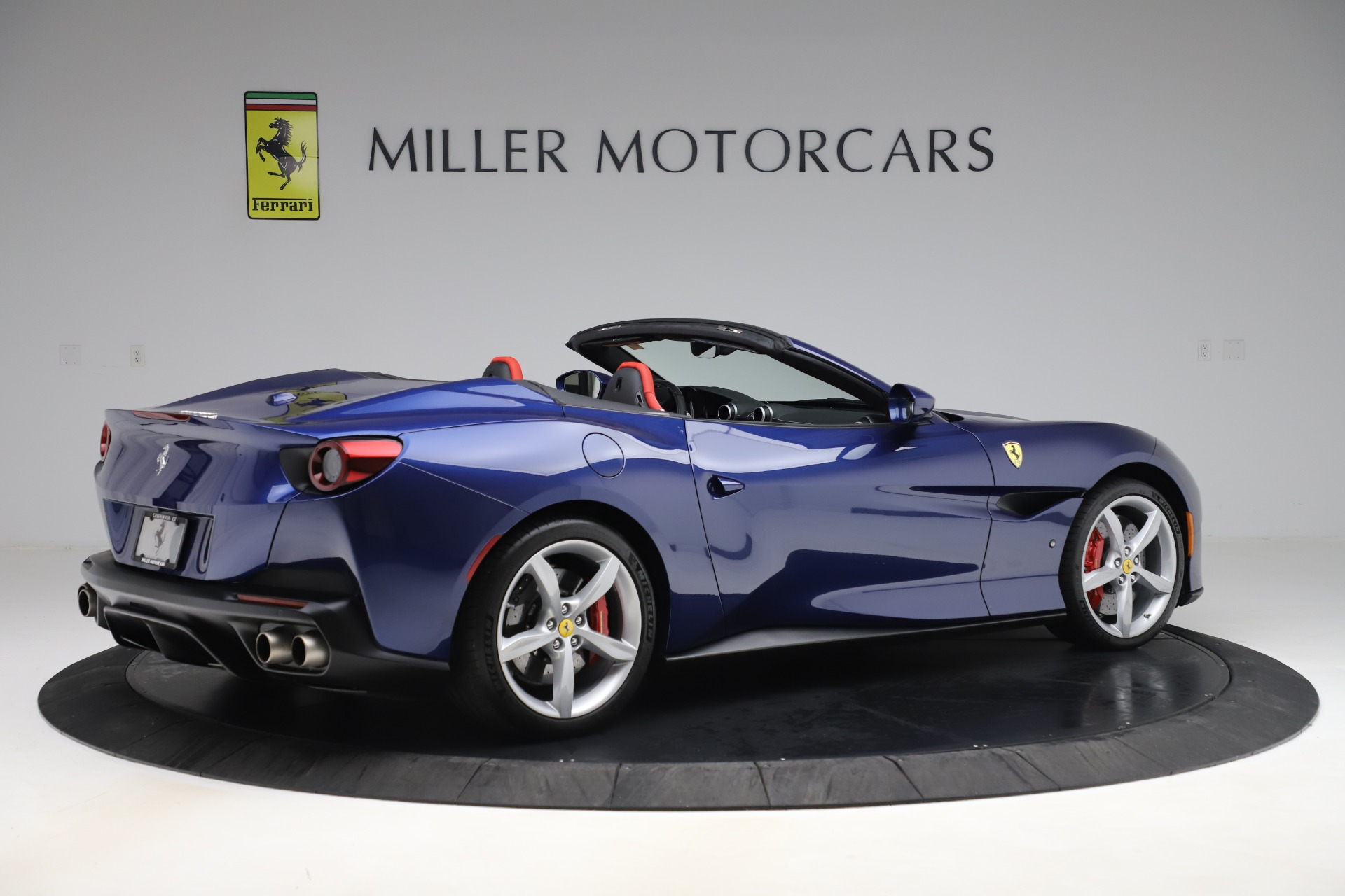 Used 2019 Ferrari Portofino  For Sale In Westport, CT 3548_p8