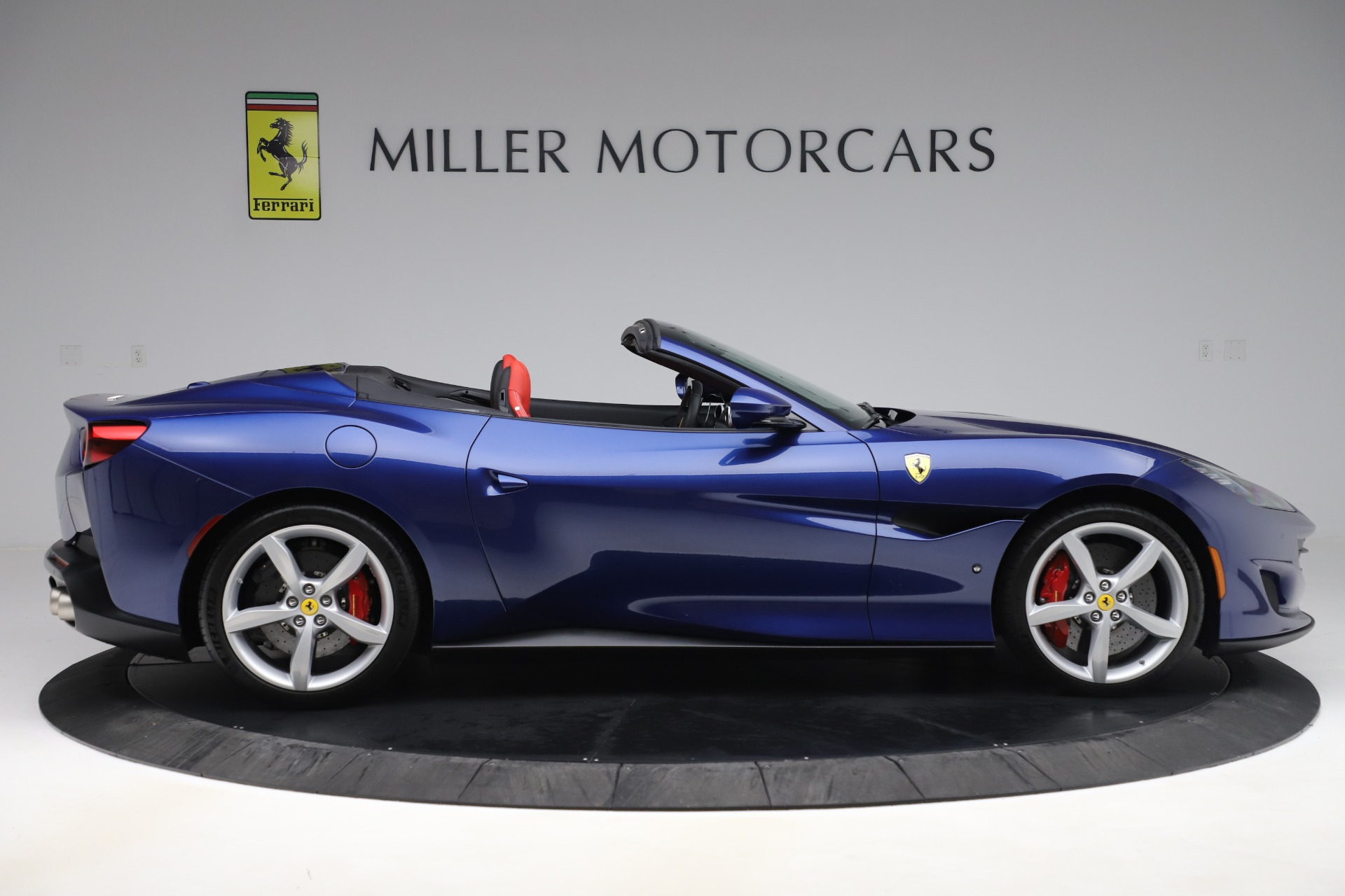 Used 2019 Ferrari Portofino  For Sale In Westport, CT 3548_p9