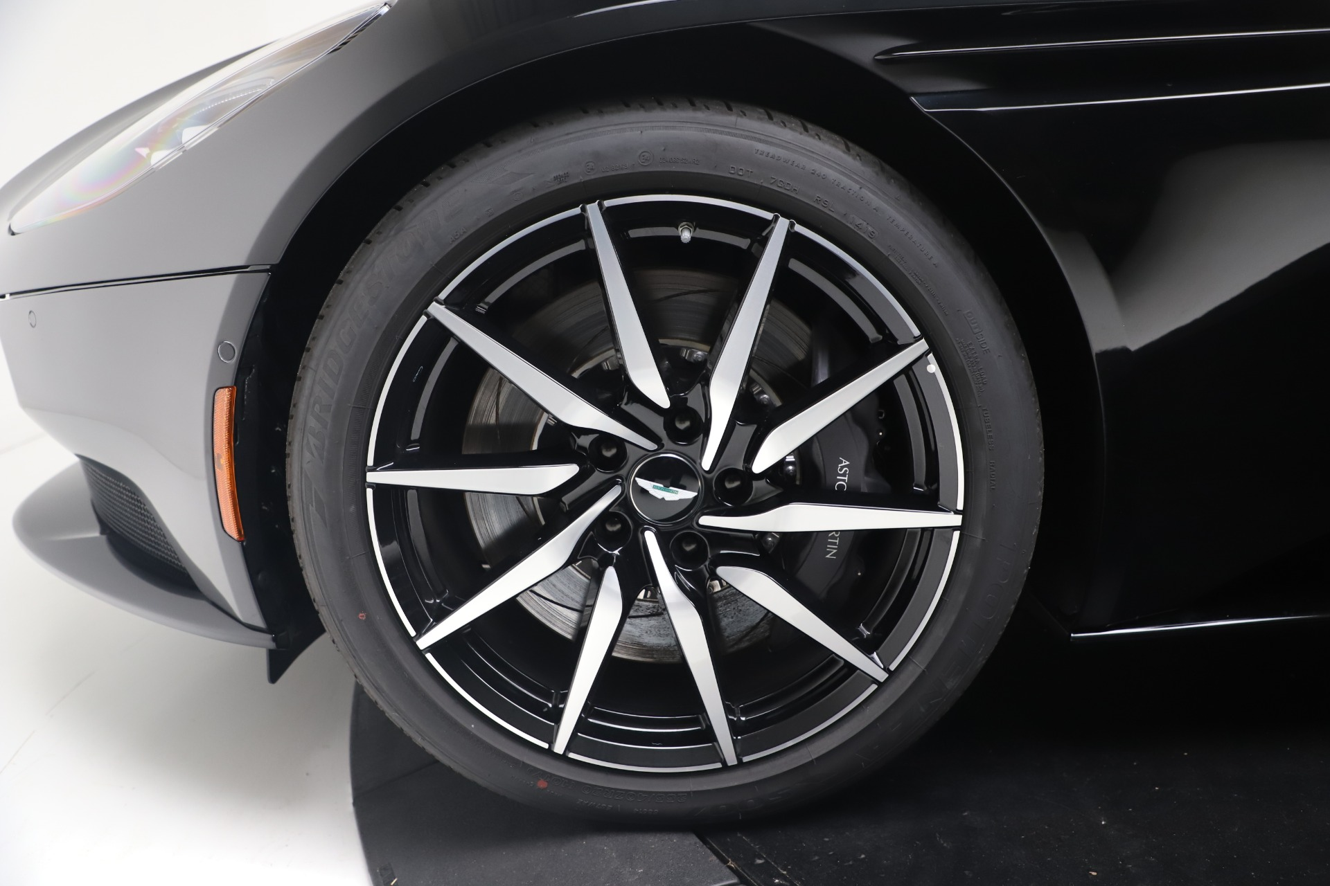 New 2020 Aston Martin DB11 V8 For Sale In Westport, CT 3549_p34
