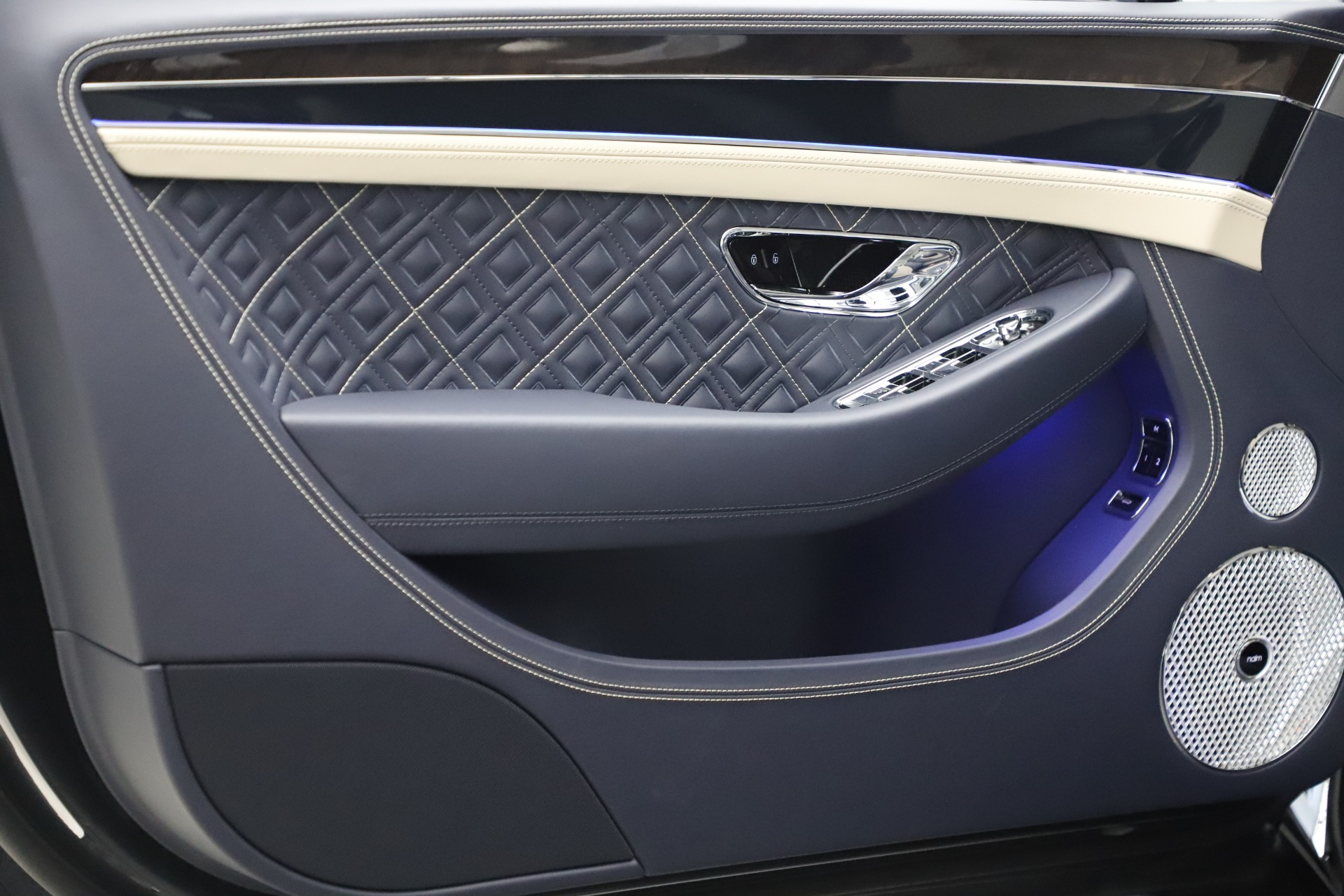 New 2020 Bentley Continental GTC V8 For Sale In Westport, CT 3566_p17