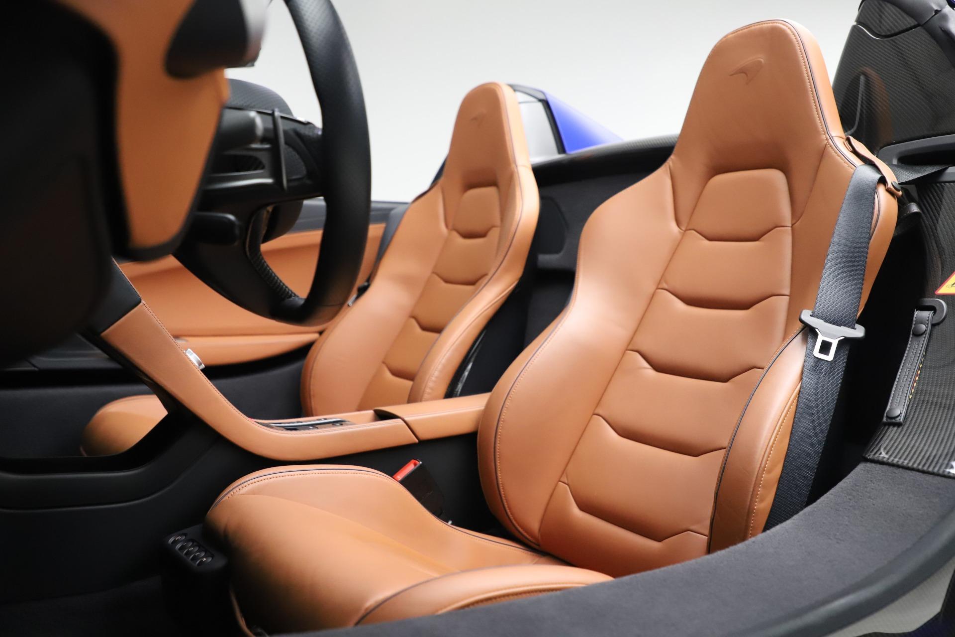 Used 2015 McLaren 650S SPIDER Convertible For Sale In Westport, CT 3569_p26