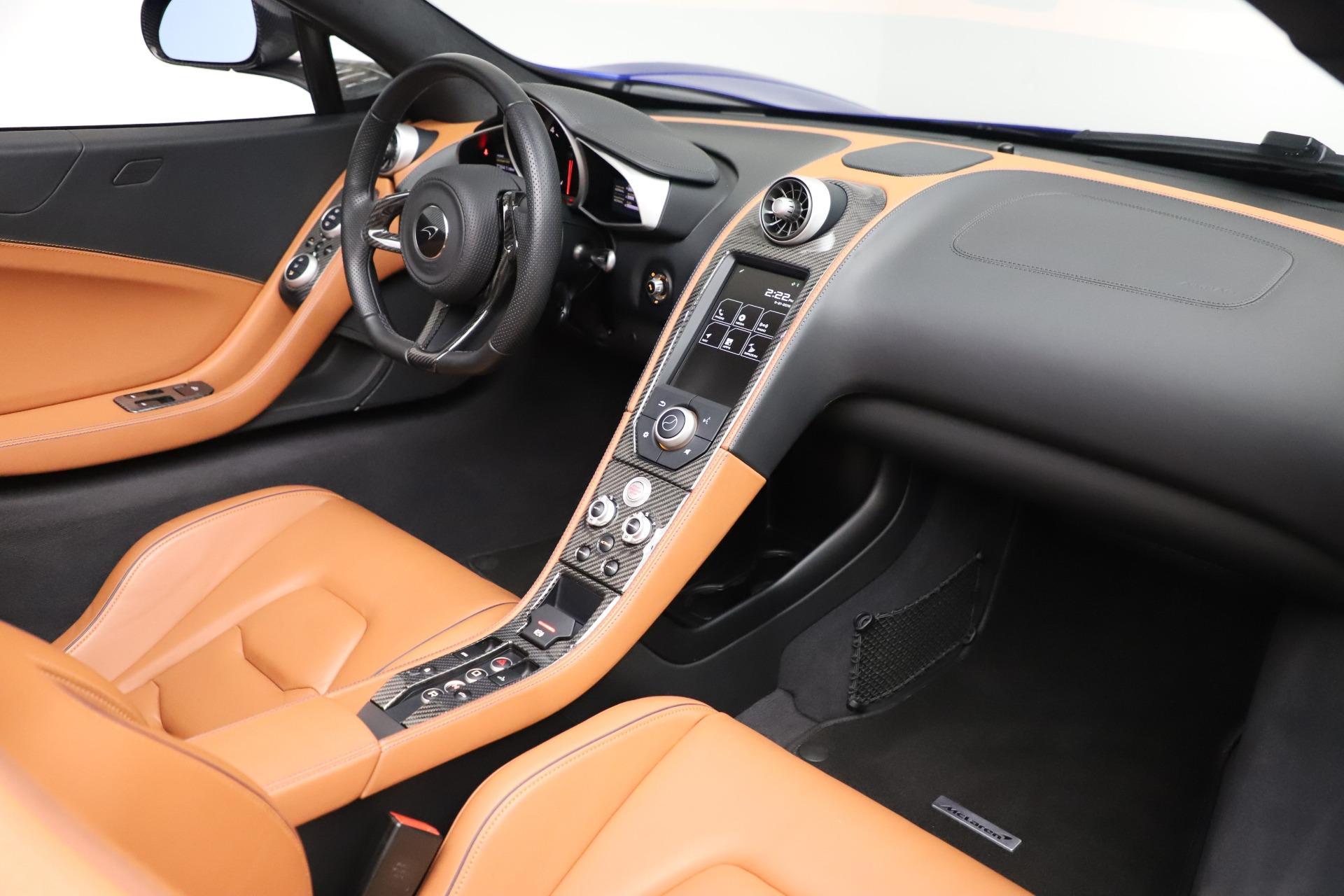 Used 2015 McLaren 650S SPIDER Convertible For Sale In Westport, CT 3569_p28