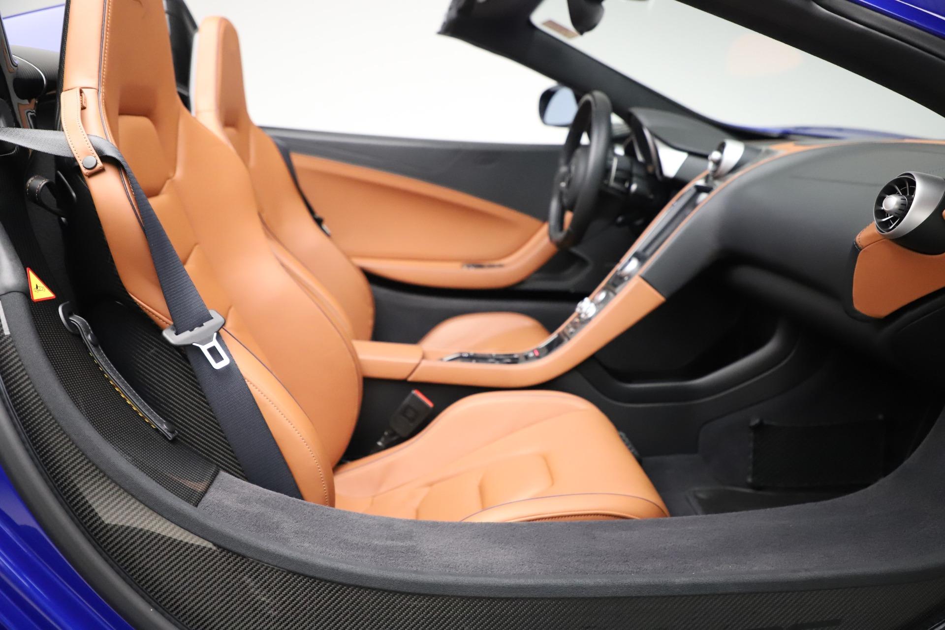 Used 2015 McLaren 650S SPIDER Convertible For Sale In Westport, CT 3569_p29