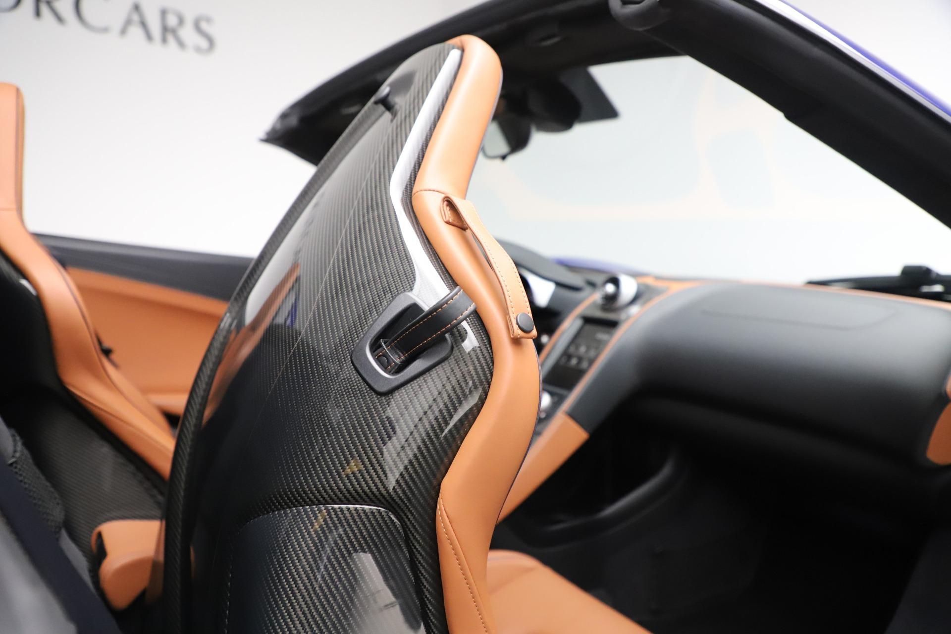 Used 2015 McLaren 650S SPIDER Convertible For Sale In Westport, CT 3569_p31