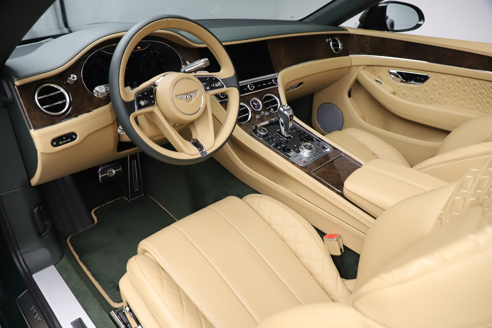 New 2020 Bentley Continental GTC V8 For Sale In Westport, CT 3572_p26