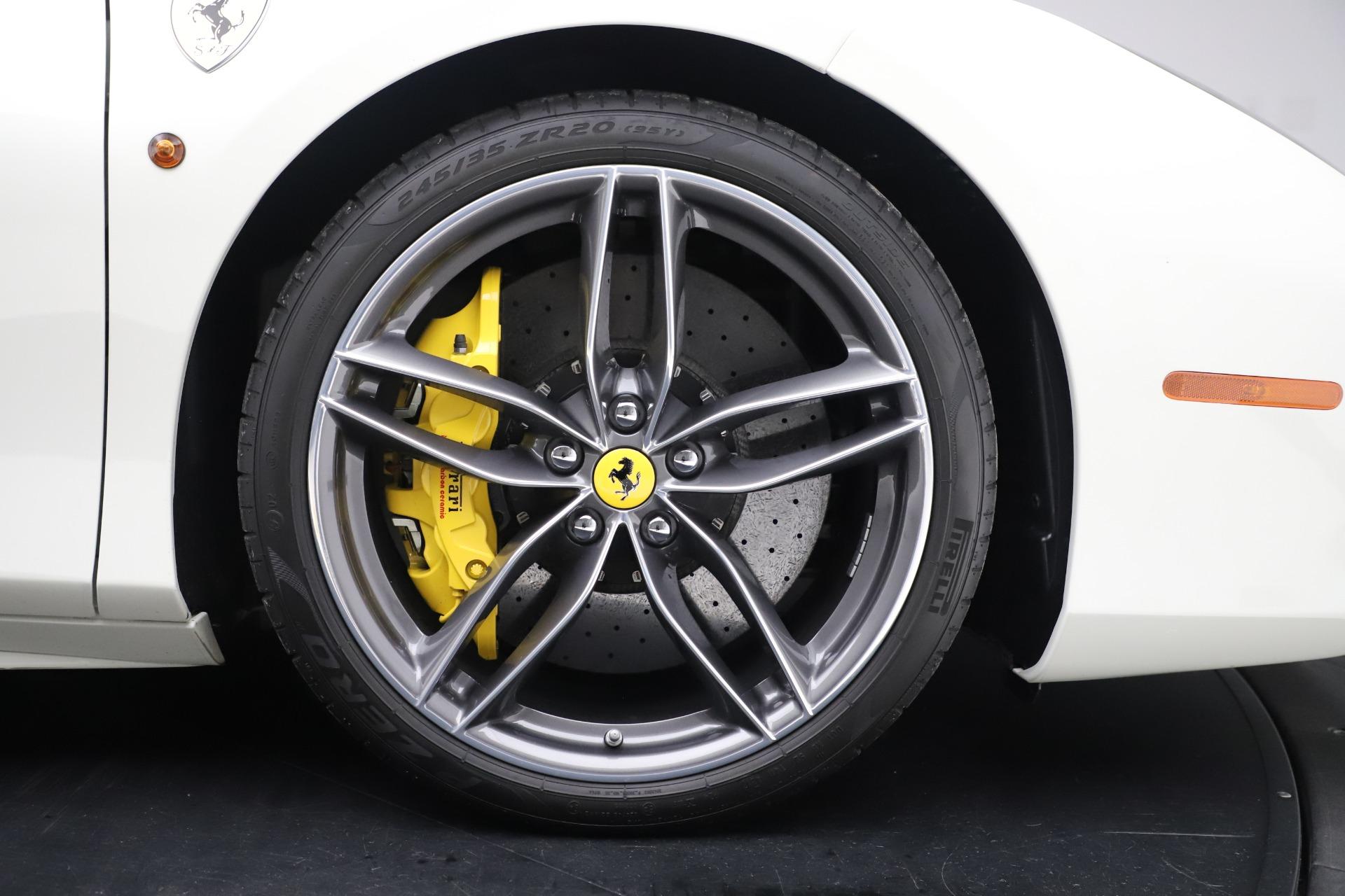 Used 2018 Ferrari 488 Spider  For Sale In Westport, CT 3579_p31