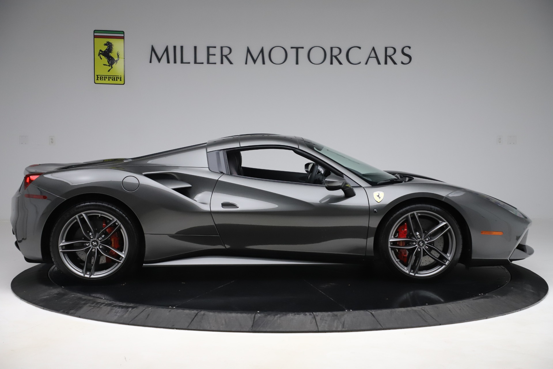 Used 2018 Ferrari 488 Spider  For Sale In Westport, CT 3584_p18