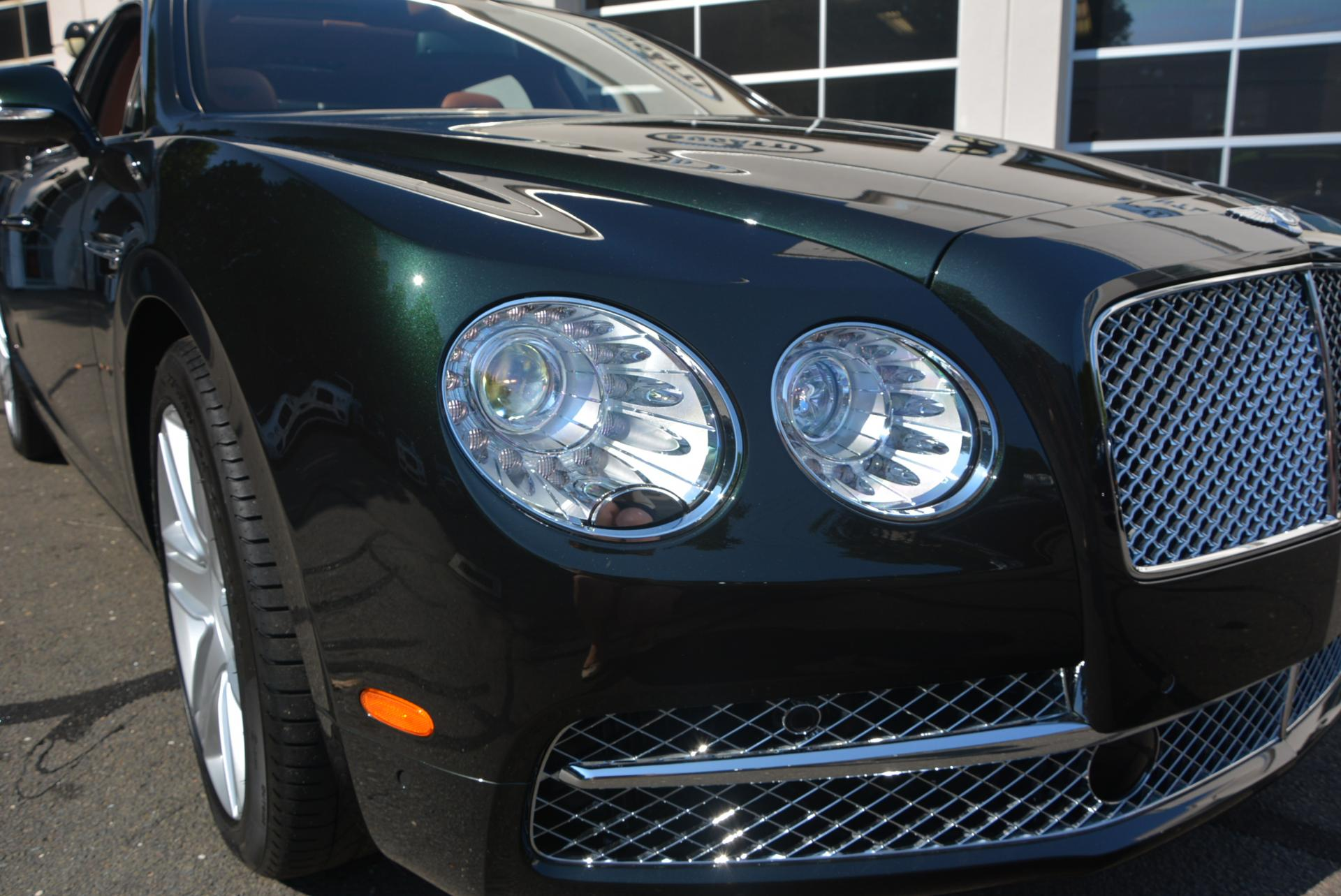 Used 2016 Bentley Flying Spur W12  For Sale In Westport, CT 41_p7