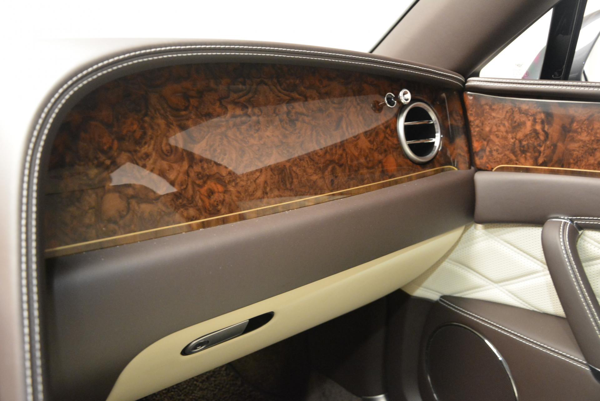 Used 2015 Bentley Flying Spur V8  For Sale In Westport, CT 509_p33