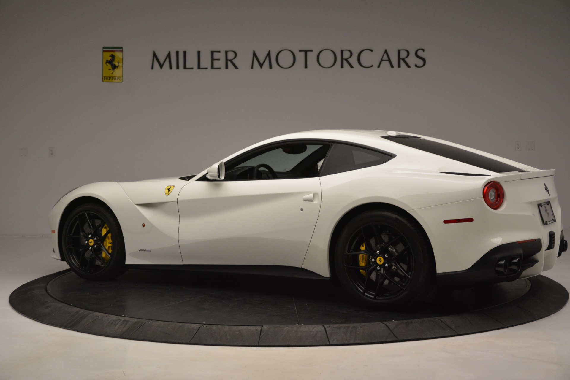 Used 2015 Ferrari F12 Berlinetta  For Sale In Westport, CT 546_p4