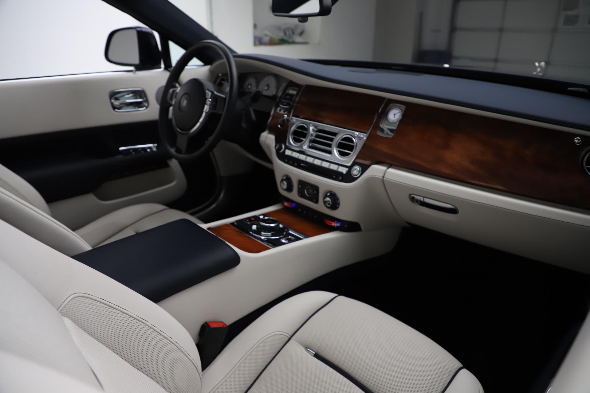 Used 2016 Rolls-Royce Dawn  For Sale In Westport, CT 553_p28