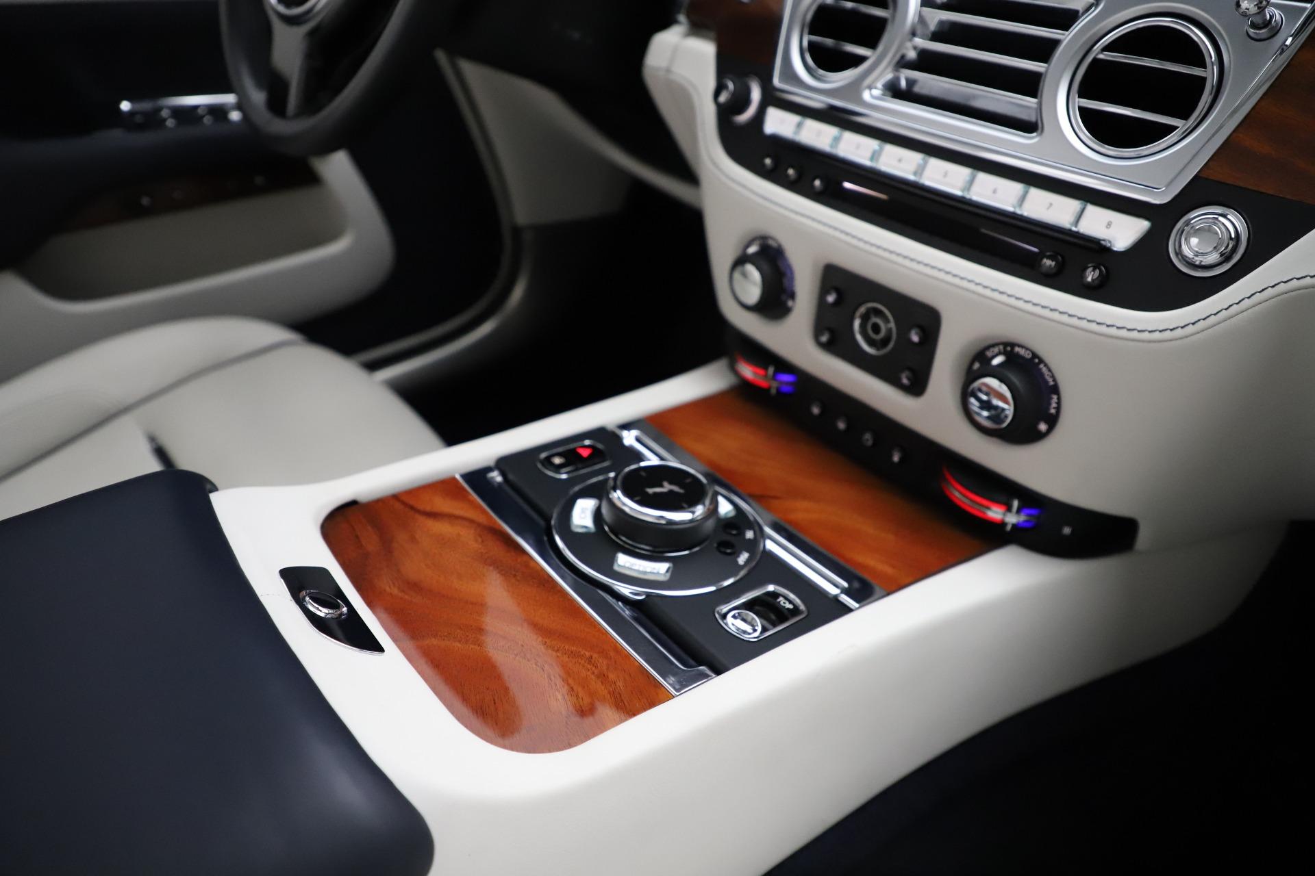 Used 2016 Rolls-Royce Dawn  For Sale In Westport, CT 553_p34