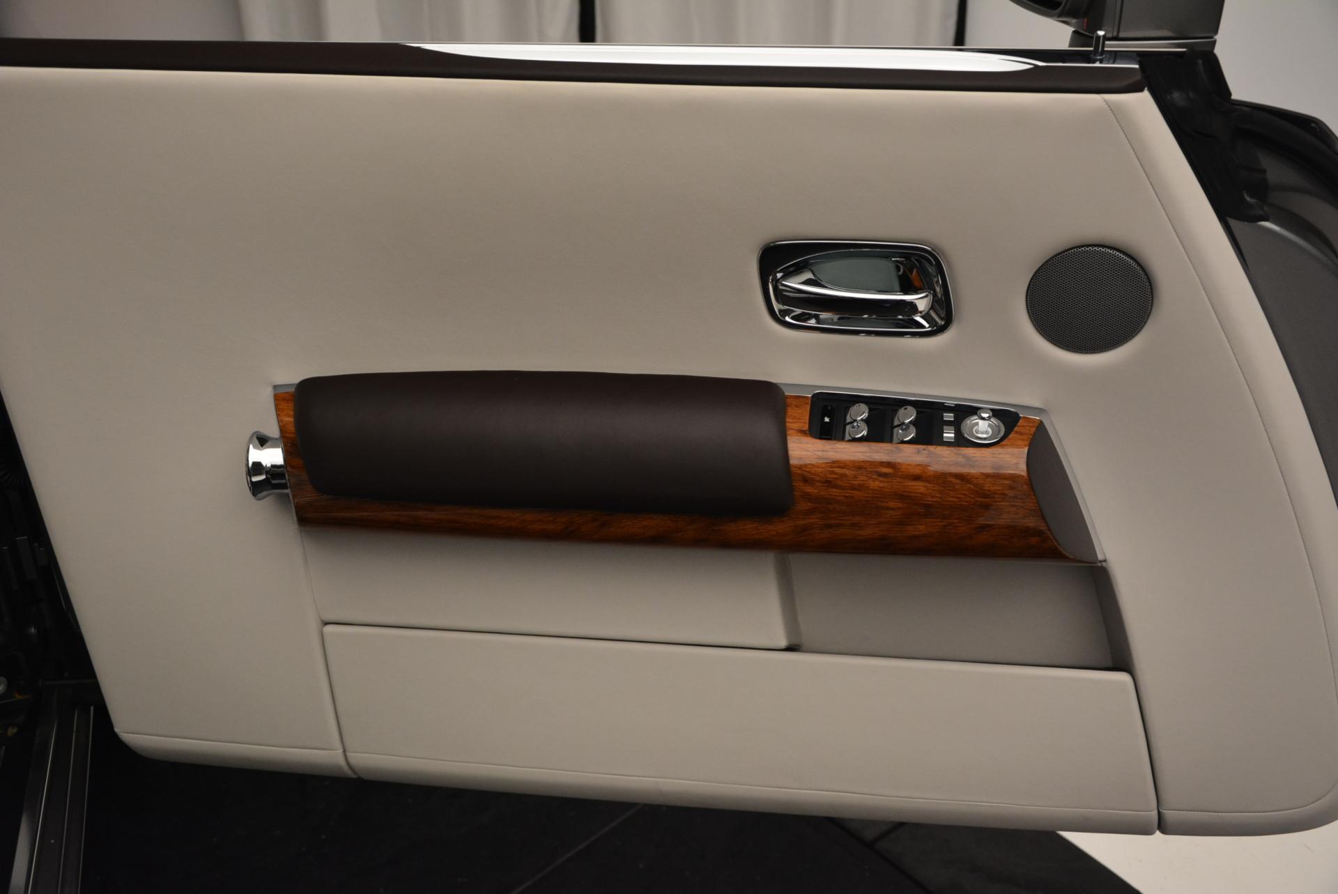 Used 2015 Rolls-Royce Phantom Drophead Coupe  For Sale In Westport, CT 554_p25