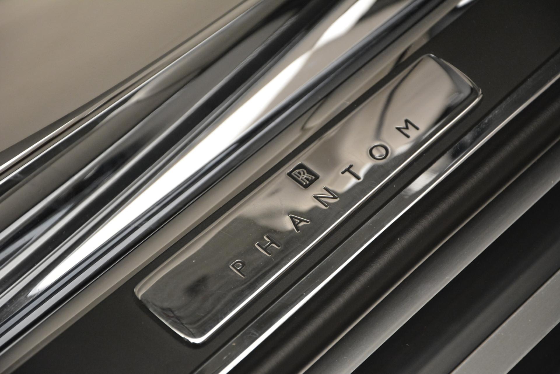 Used 2015 Rolls-Royce Phantom Drophead Coupe  For Sale In Westport, CT 554_p27