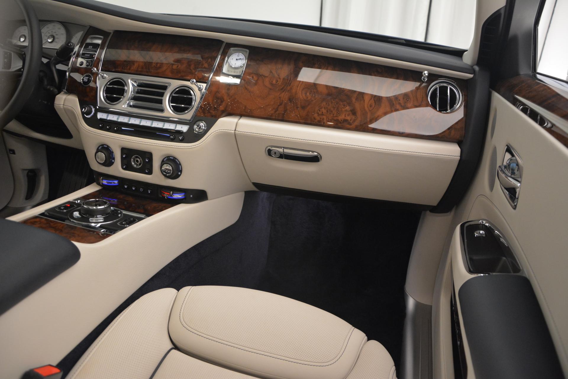 Used 2016 Rolls-Royce Ghost Series II  For Sale In Westport, CT 559_p23