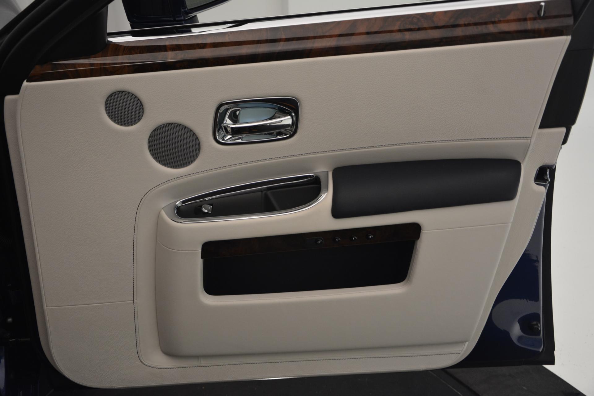 Used 2016 Rolls-Royce Ghost Series II  For Sale In Westport, CT 559_p39