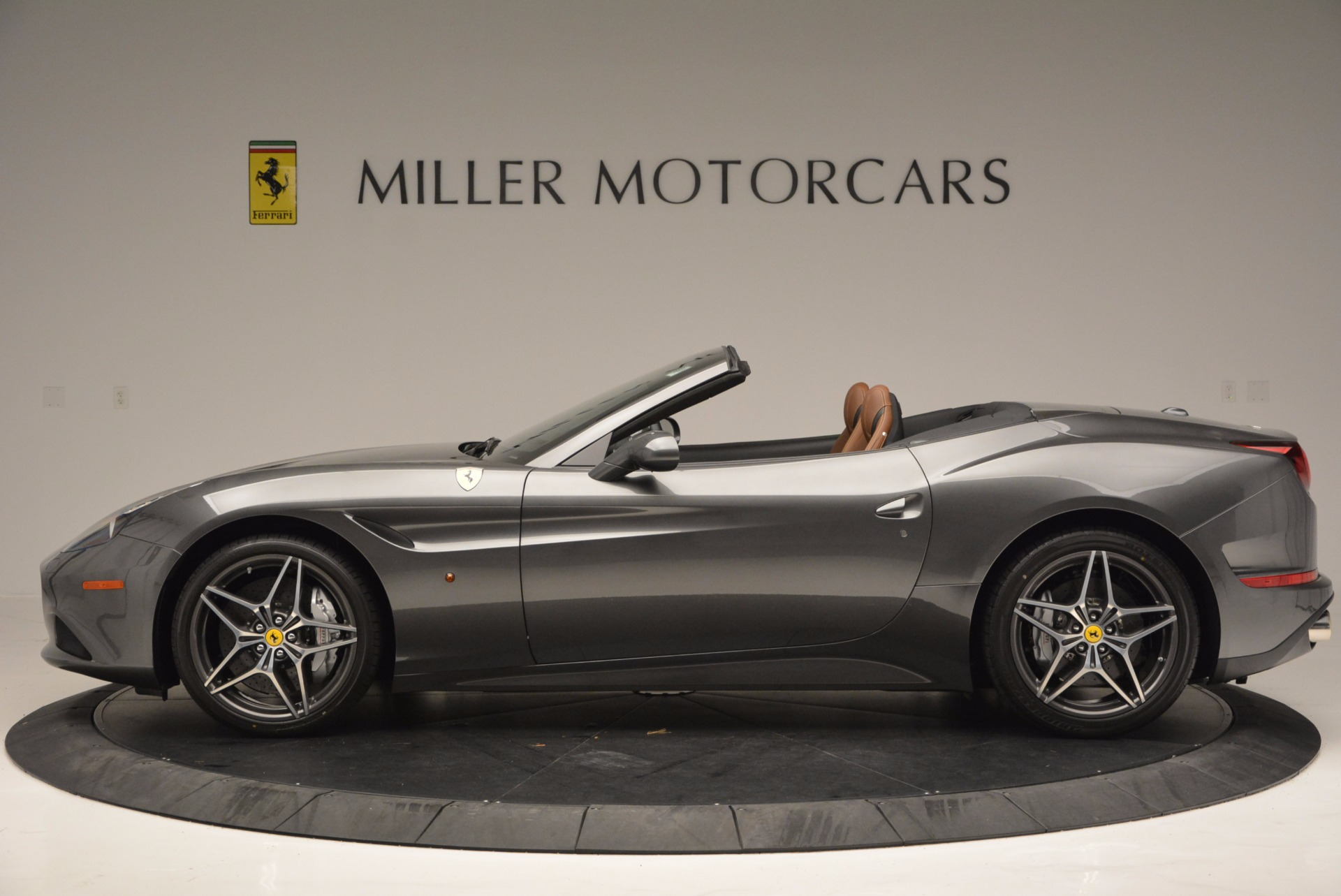 Used 2015 Ferrari California T  For Sale In Westport, CT 561_p3