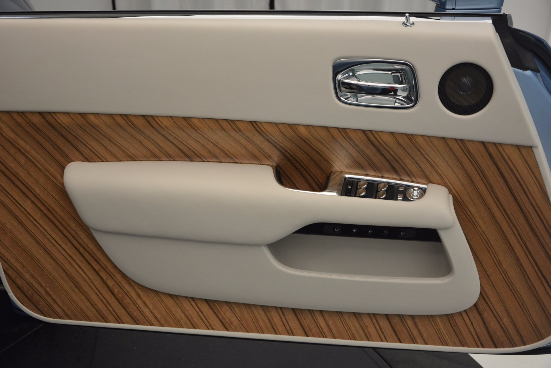 Used 2015 Rolls-Royce Wraith  For Sale In Westport, CT 563_p19