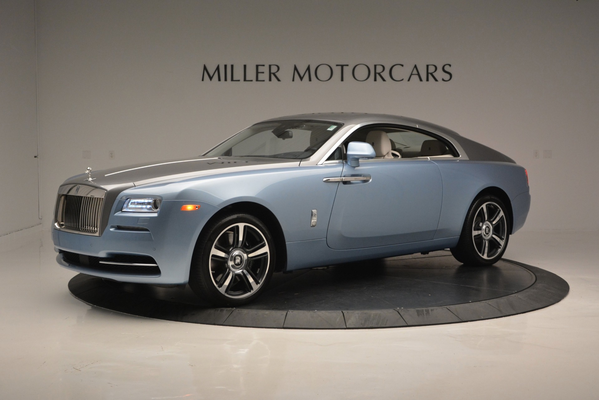 Used 2015 Rolls-Royce Wraith  For Sale In Westport, CT 563_p2