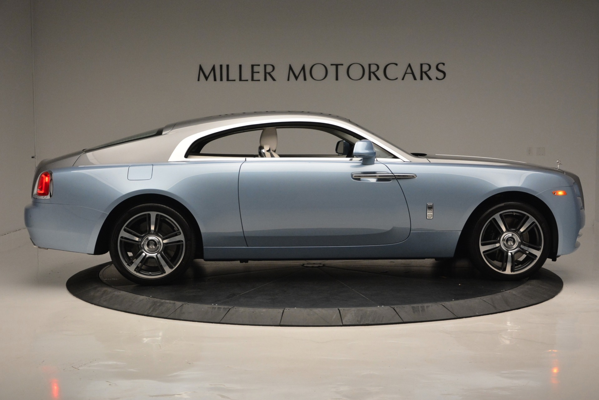 Used 2015 Rolls-Royce Wraith  For Sale In Westport, CT 563_p9