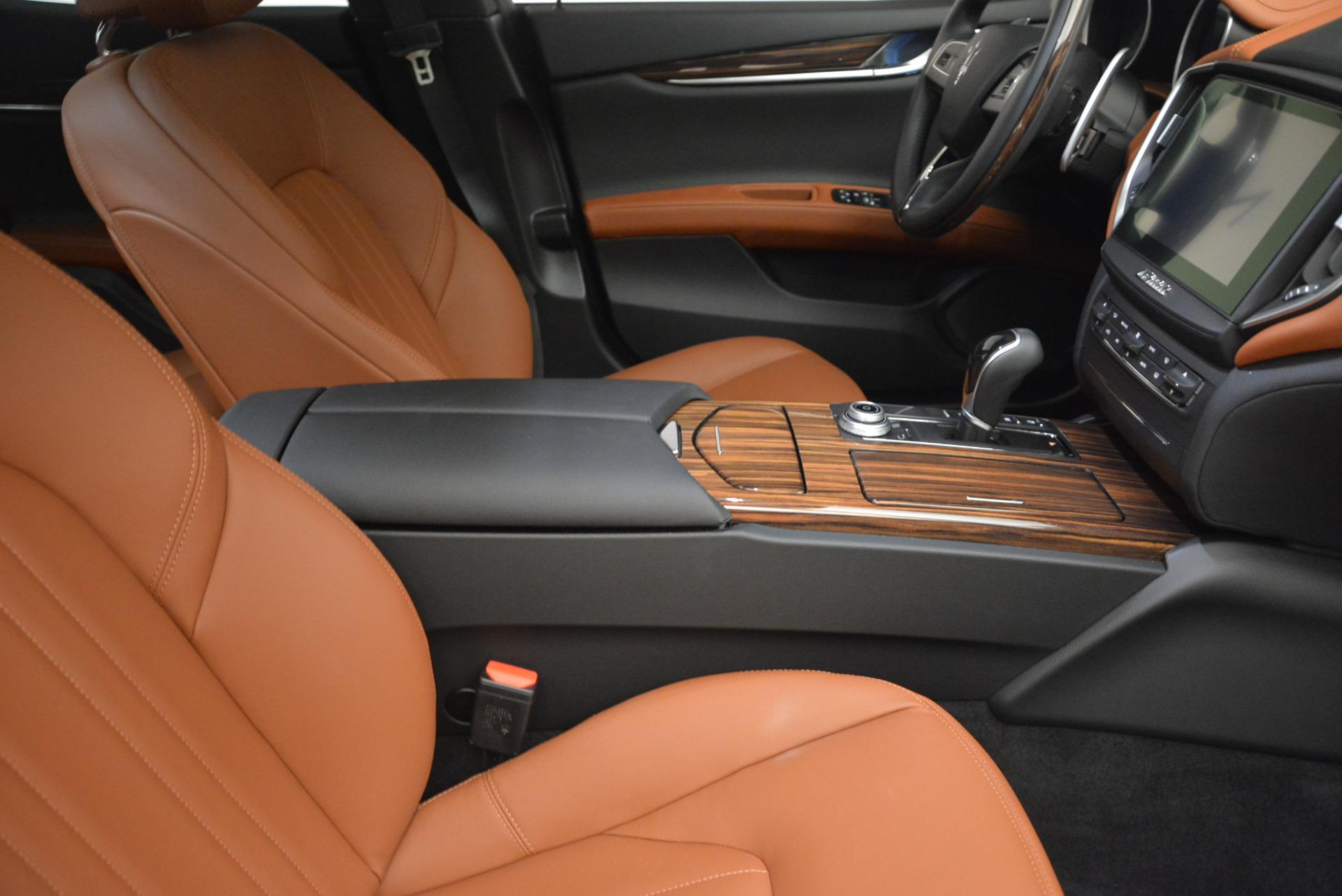 Used 2017 Maserati Ghibli S Q4  EX-LOANER For Sale In Westport, CT 565_p20