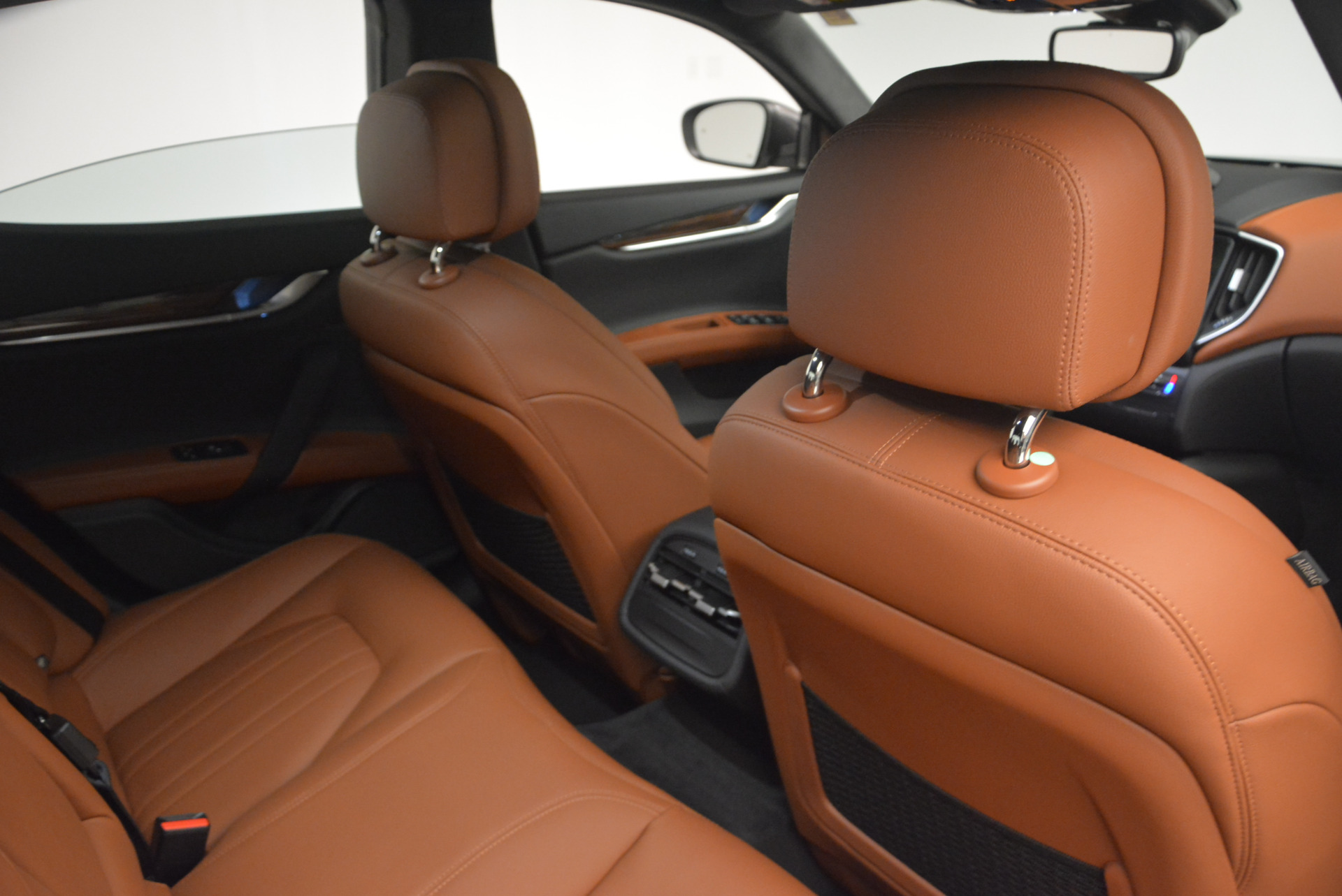 Used 2017 Maserati Ghibli S Q4  EX-LOANER For Sale In Westport, CT 565_p22