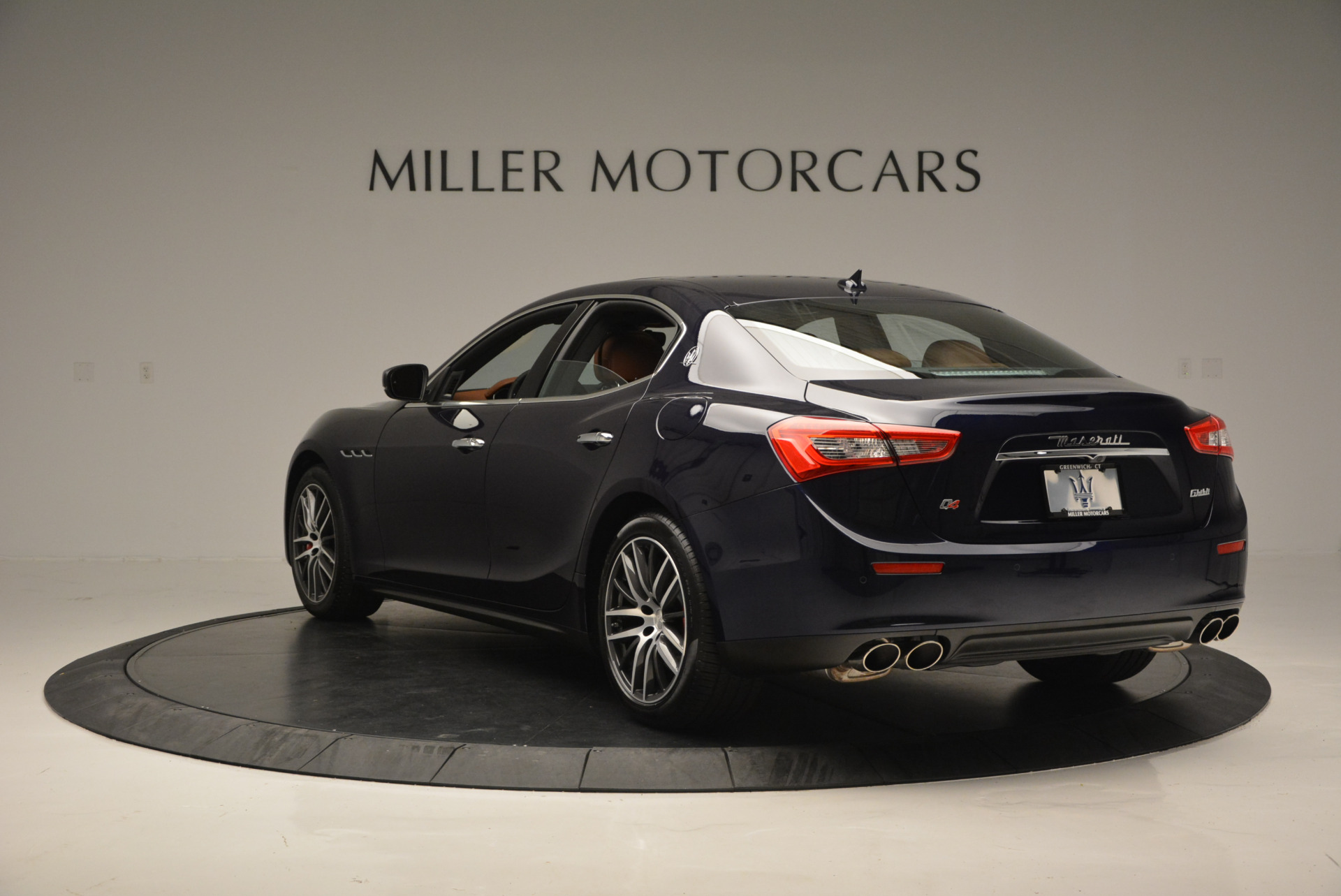 Used 2017 Maserati Ghibli S Q4 - EX Loaner For Sale In Westport, CT 568_p5