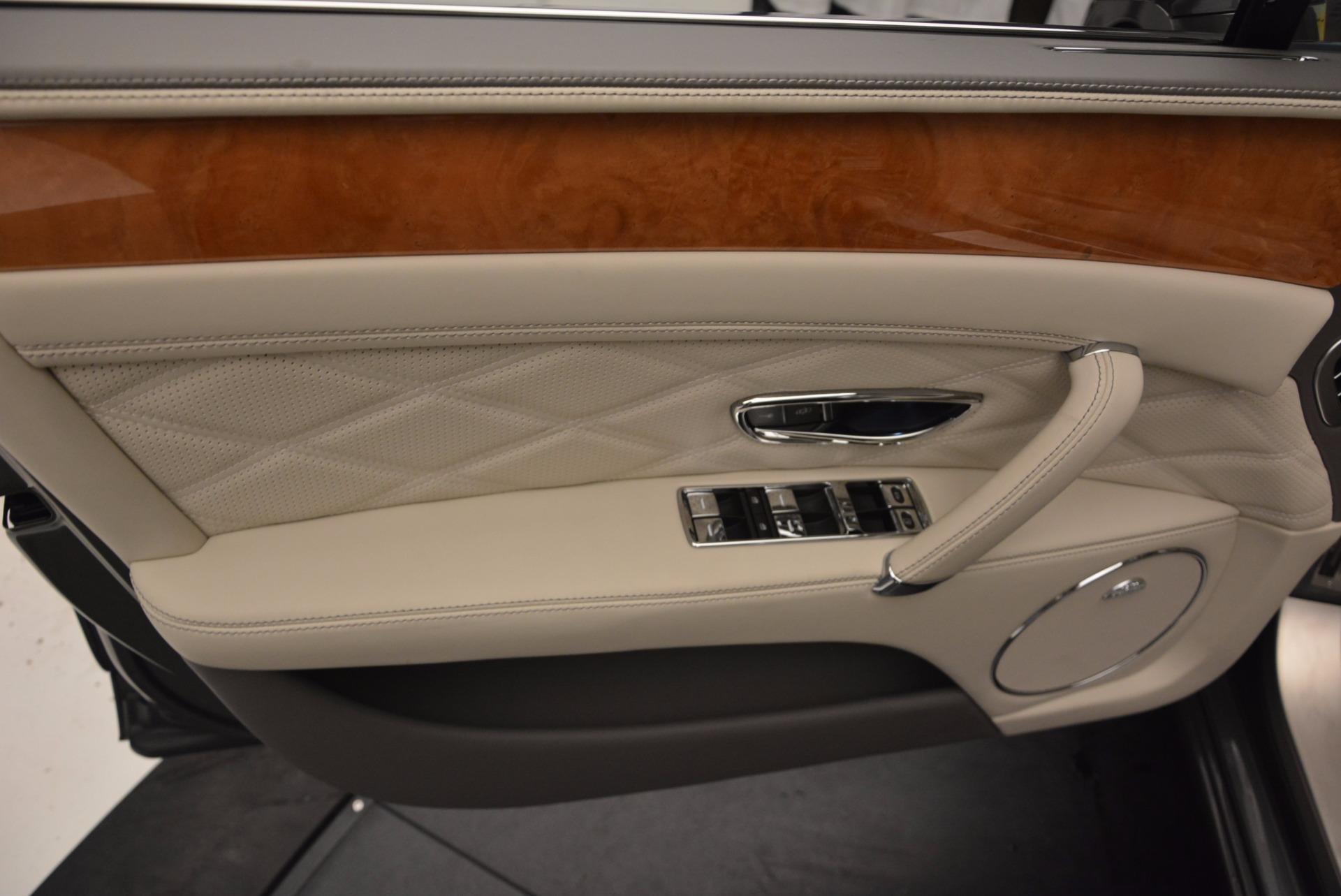 Used 2016 Bentley Flying Spur W12  For Sale In Westport, CT 617_p16
