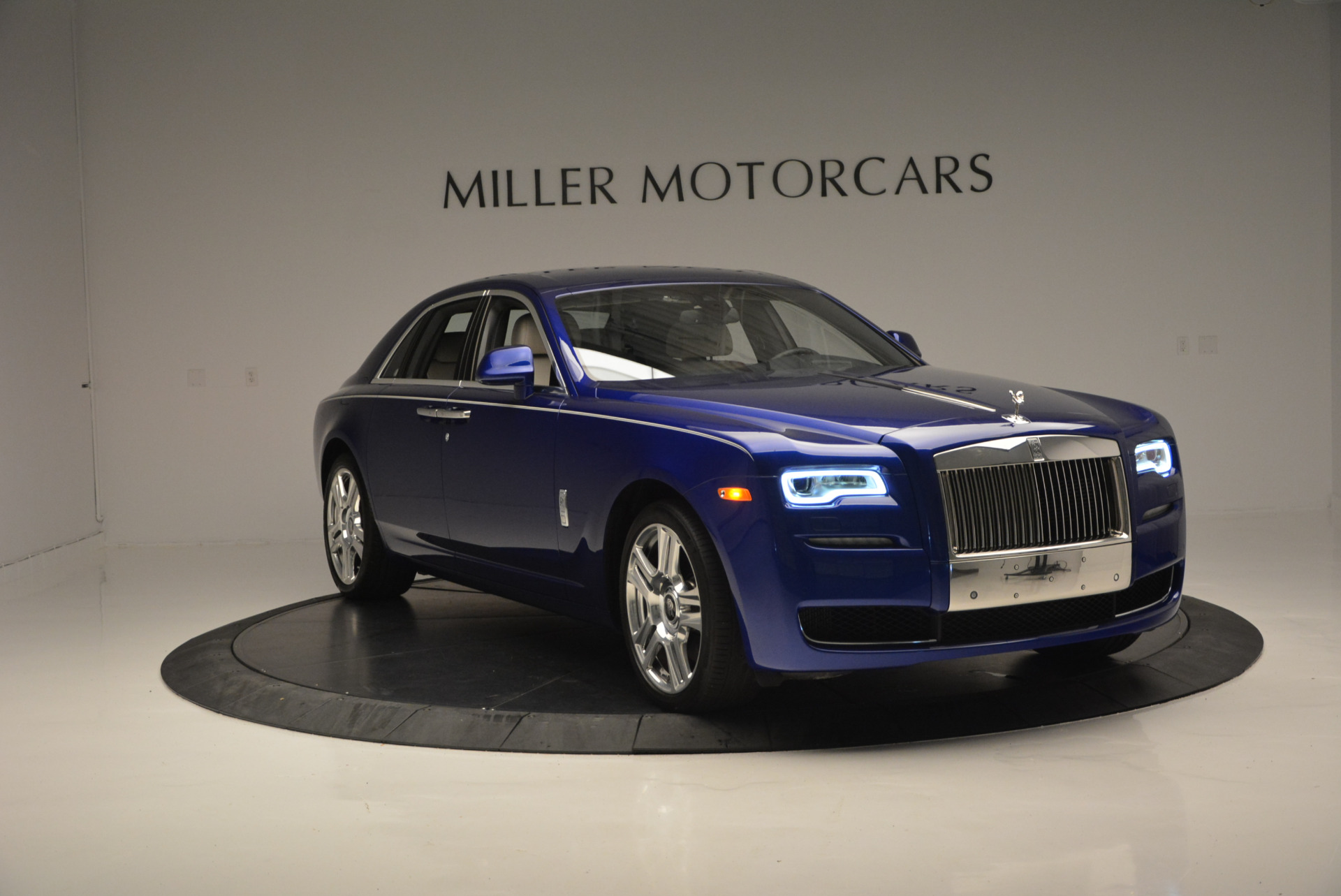 Used 2016 ROLLS-ROYCE GHOST SERIES II  For Sale In Westport, CT 634_p13