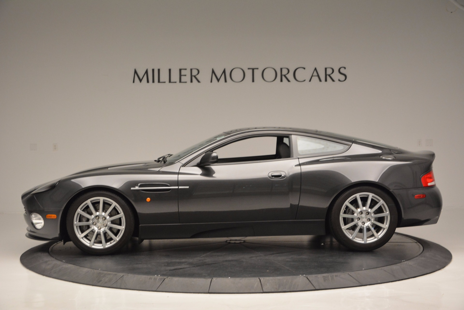 Used 2005 Aston Martin V12 Vanquish S For Sale In Westport, CT 645_p3