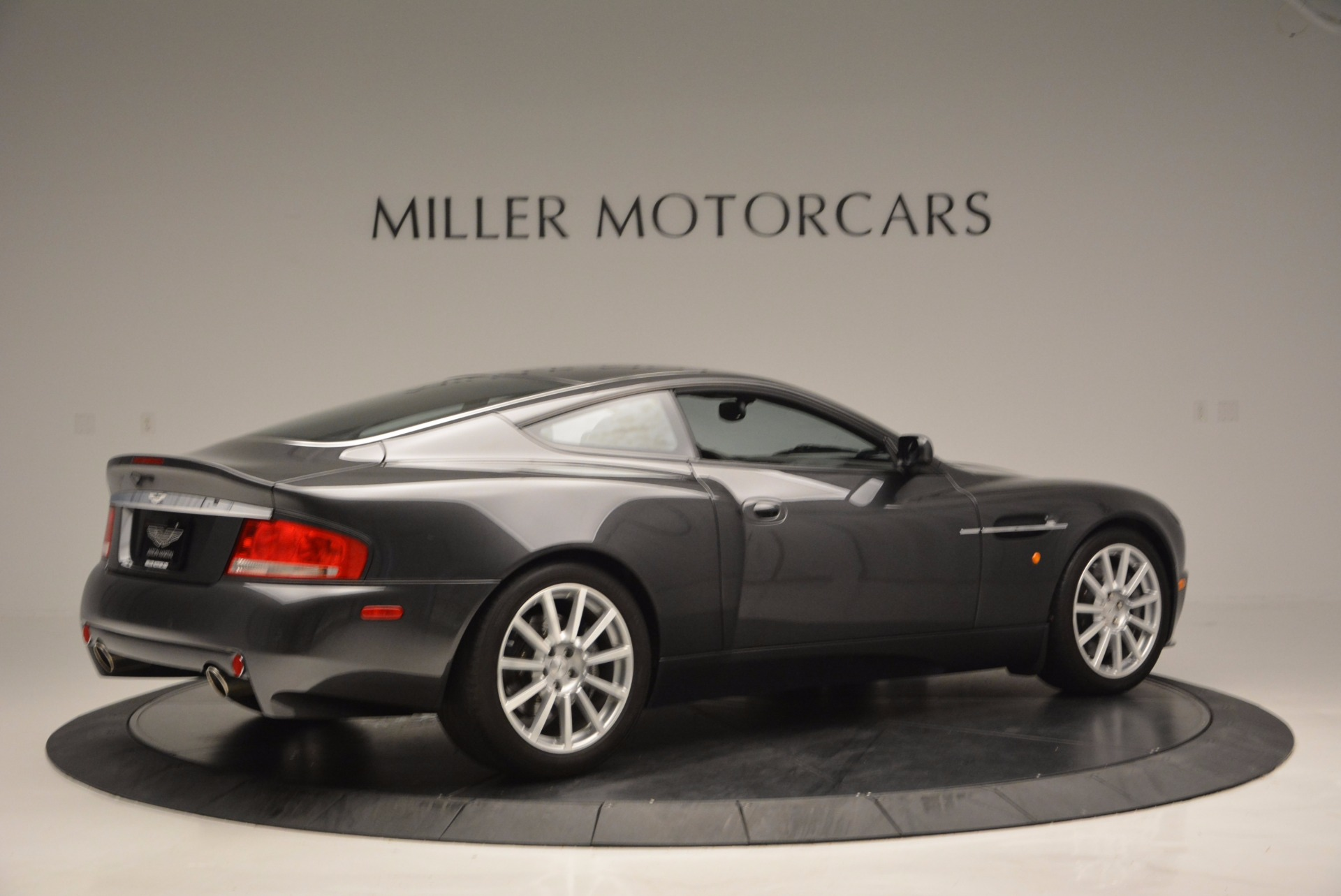 Used 2005 Aston Martin V12 Vanquish S For Sale In Westport, CT 645_p8